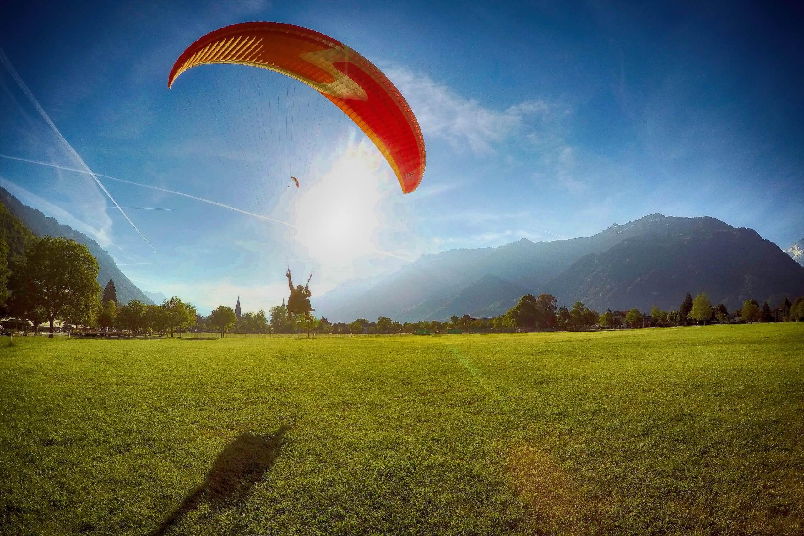 interlaken-paragliding-alpinair-interlaken-landung