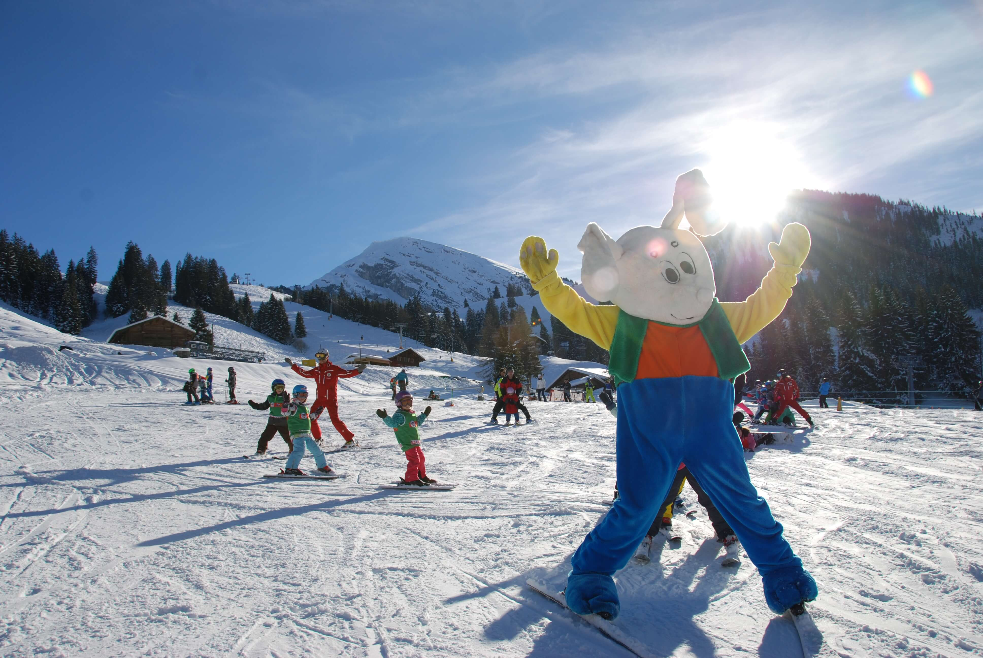 Spass beim Skifahren mit Snowli