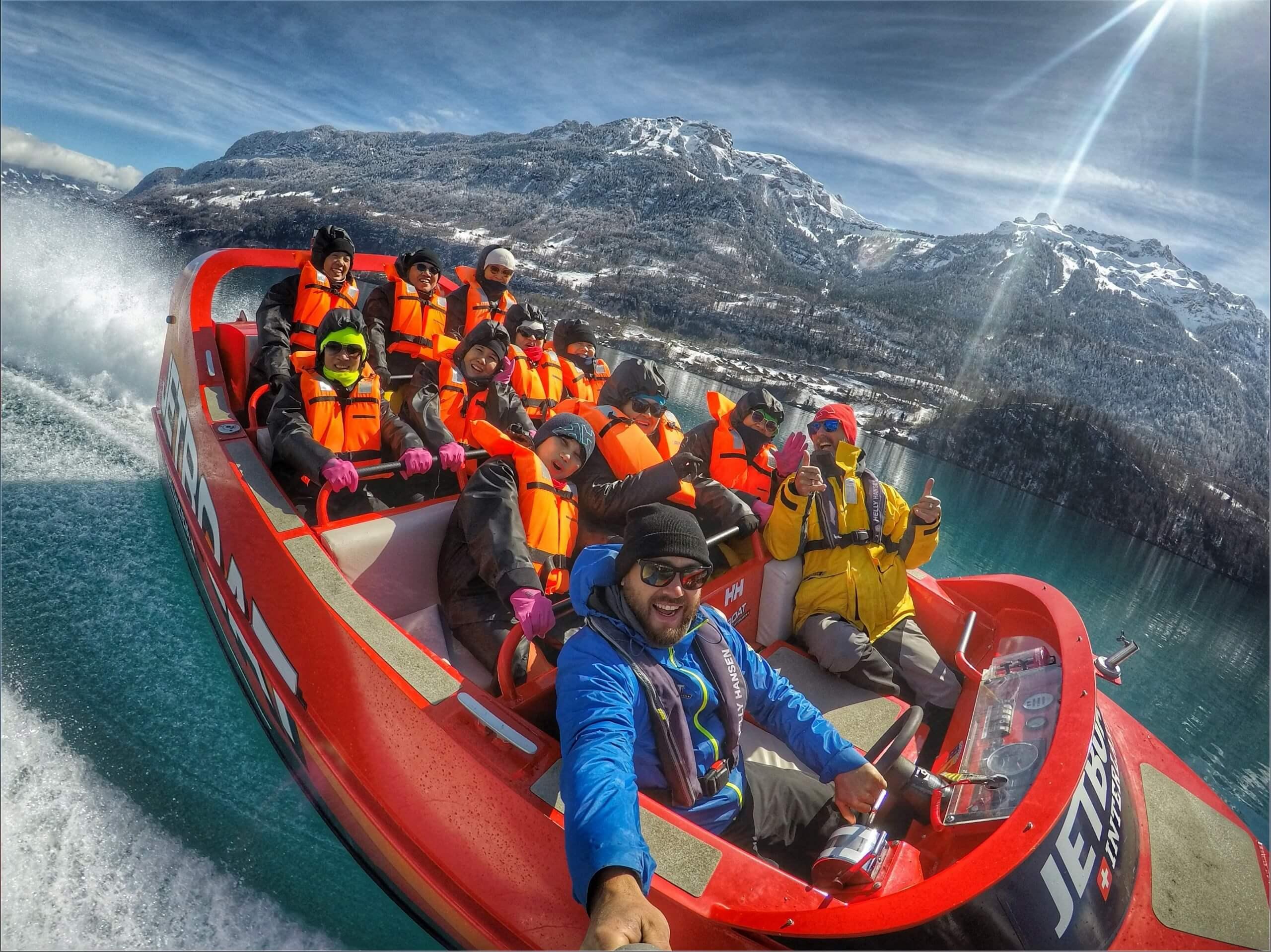 jetboat-brienzersee-winter-schnee