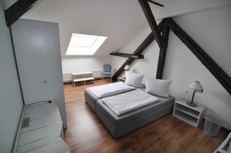 """Hotel """"FairSchlafen"""": Zimmer"""