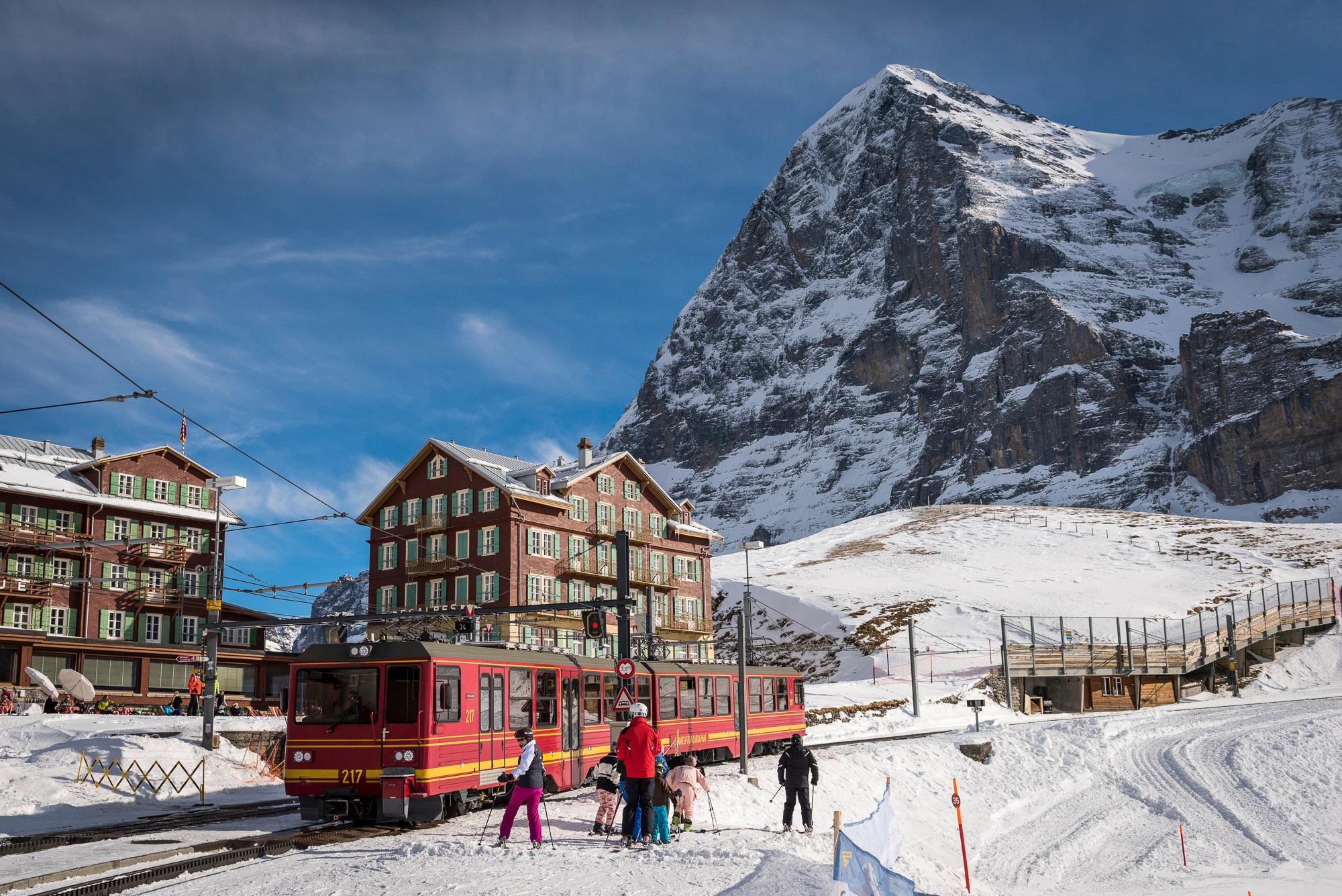 jungfraujoch-kleine-scheidegg-jungfraubahnen-winter
