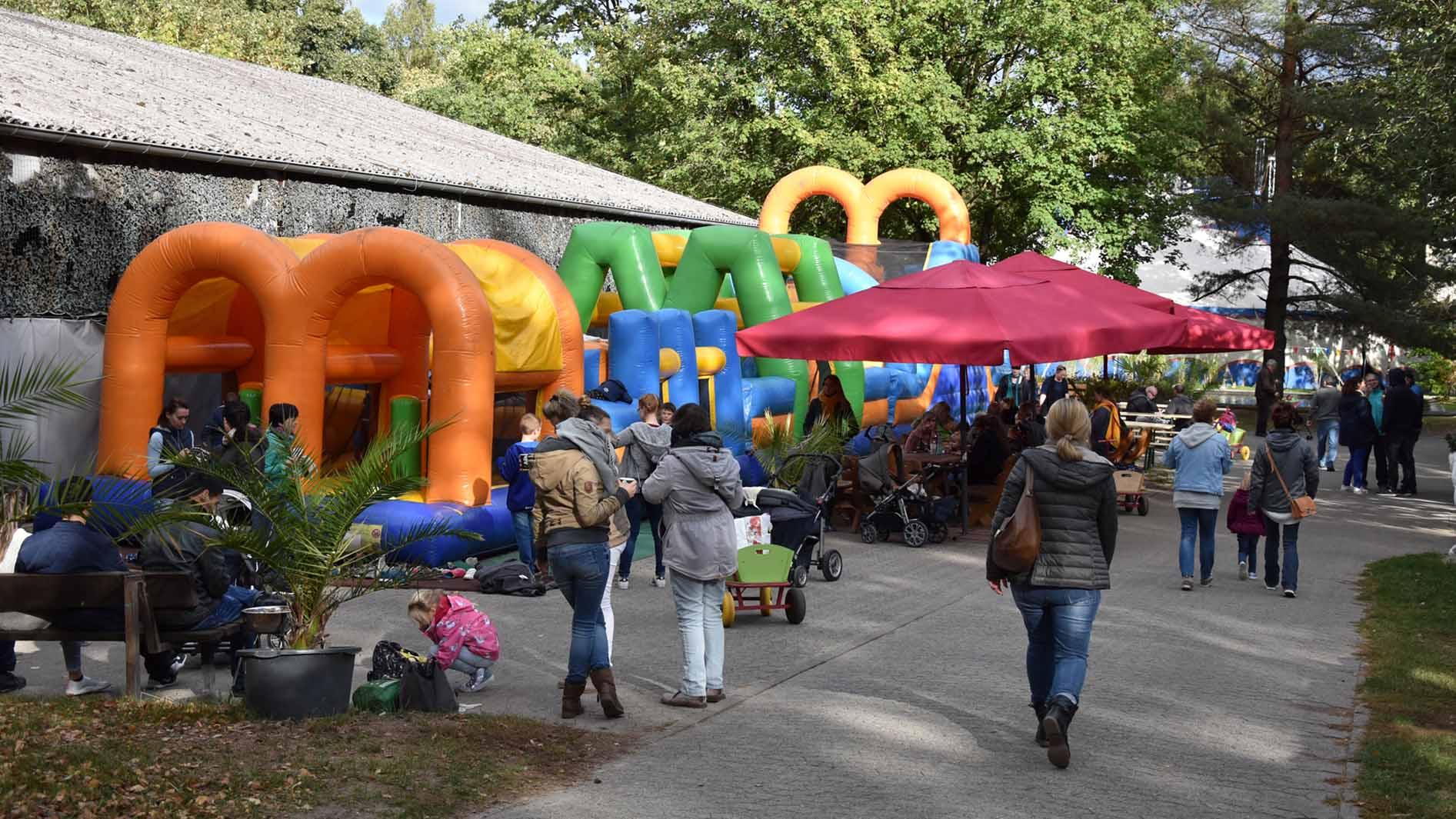 celle-filmtierpark-eschede-huepfburg.jpg