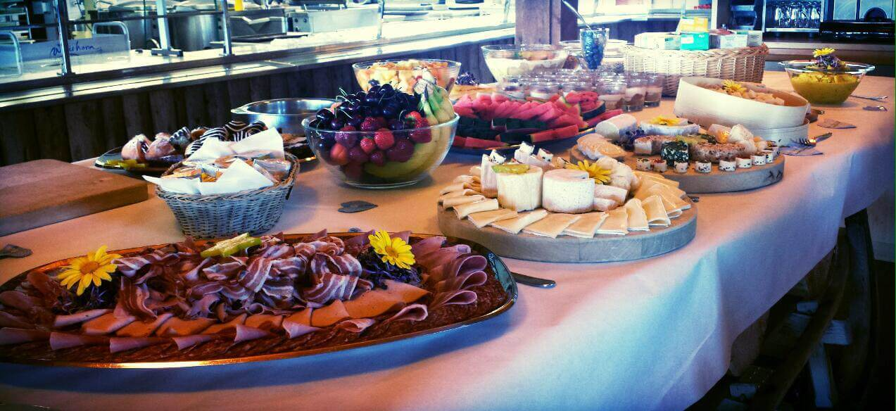 Berghotel Wiriehorn Brunch Buffet