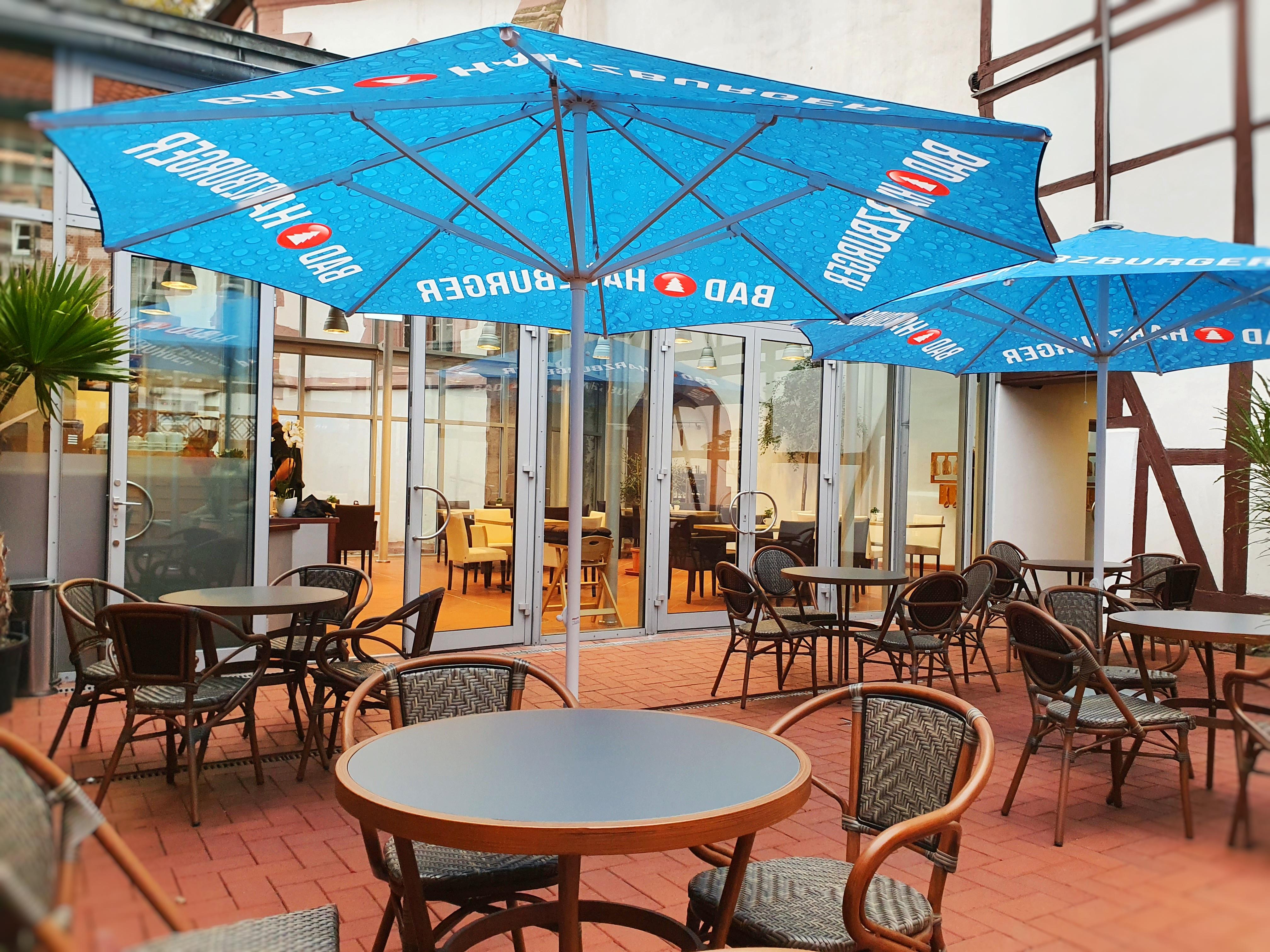 Café in der kleinen Gasse_Terrasse