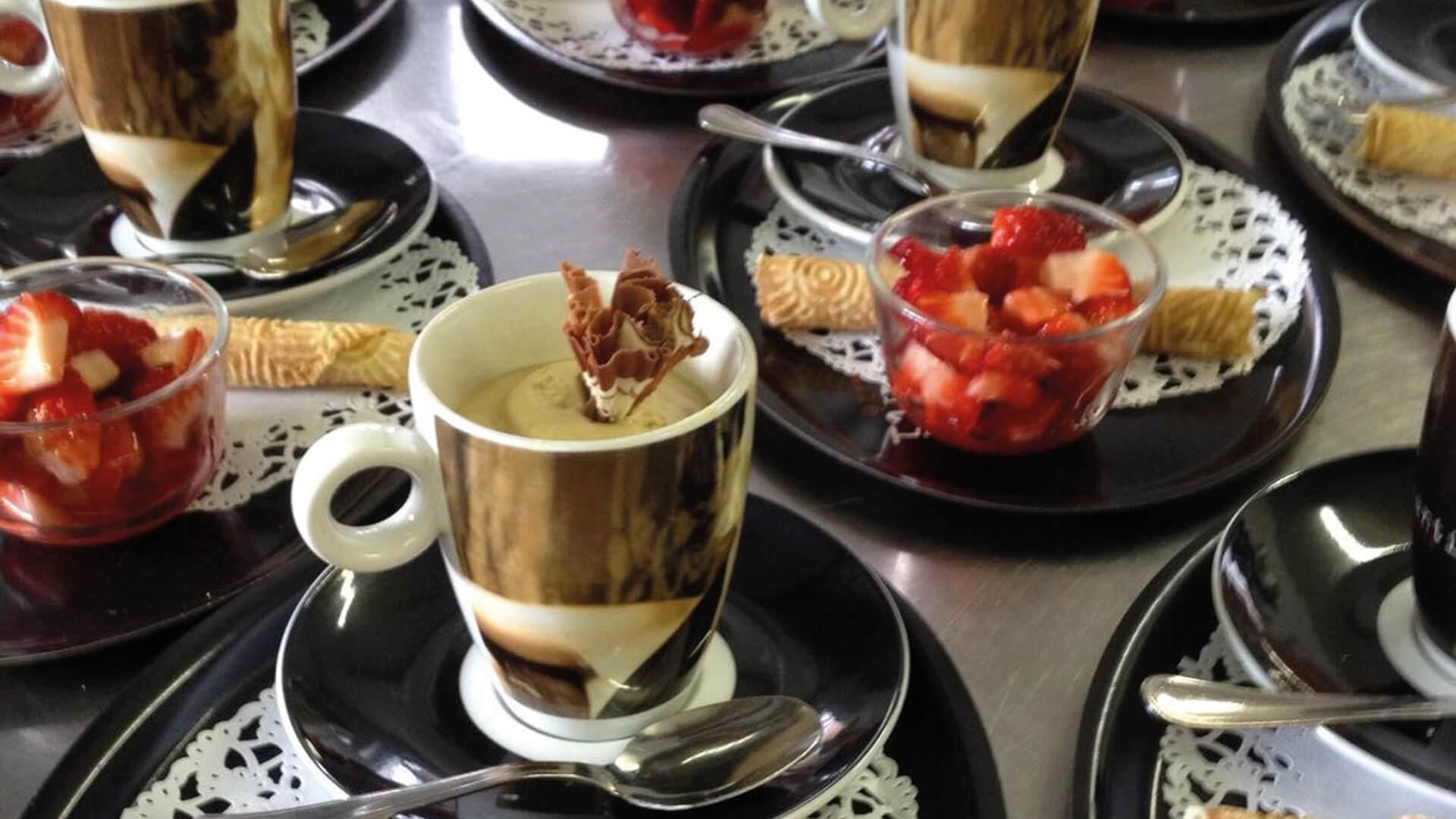 gasthof_hirschen_oey_dessert_erdbeere