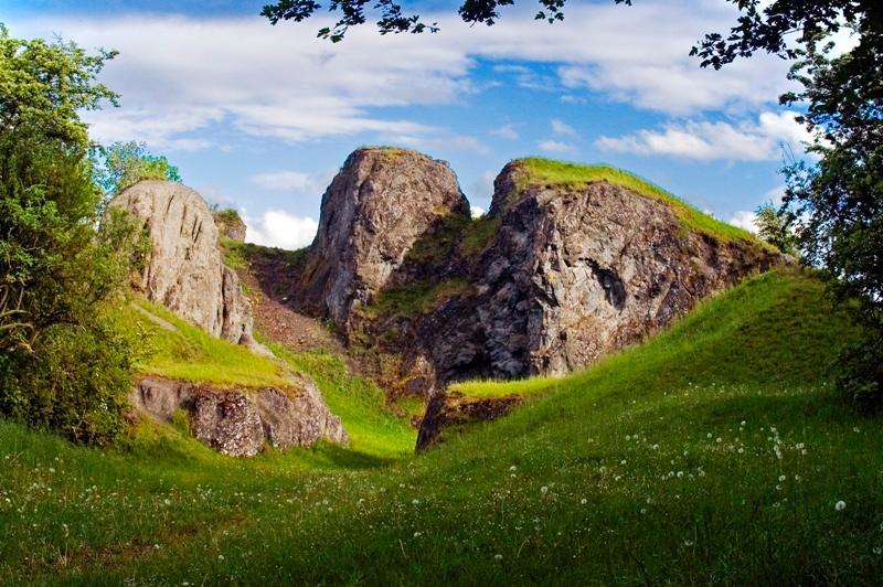 Der Hüssenberg - einer von sieben Vulkanembryos im Kulturland Kreis Höxter