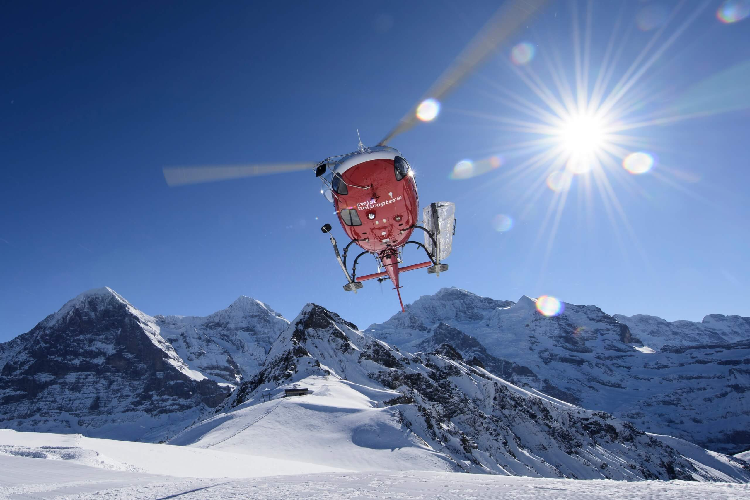 swiss-helicopter-berge-panorama