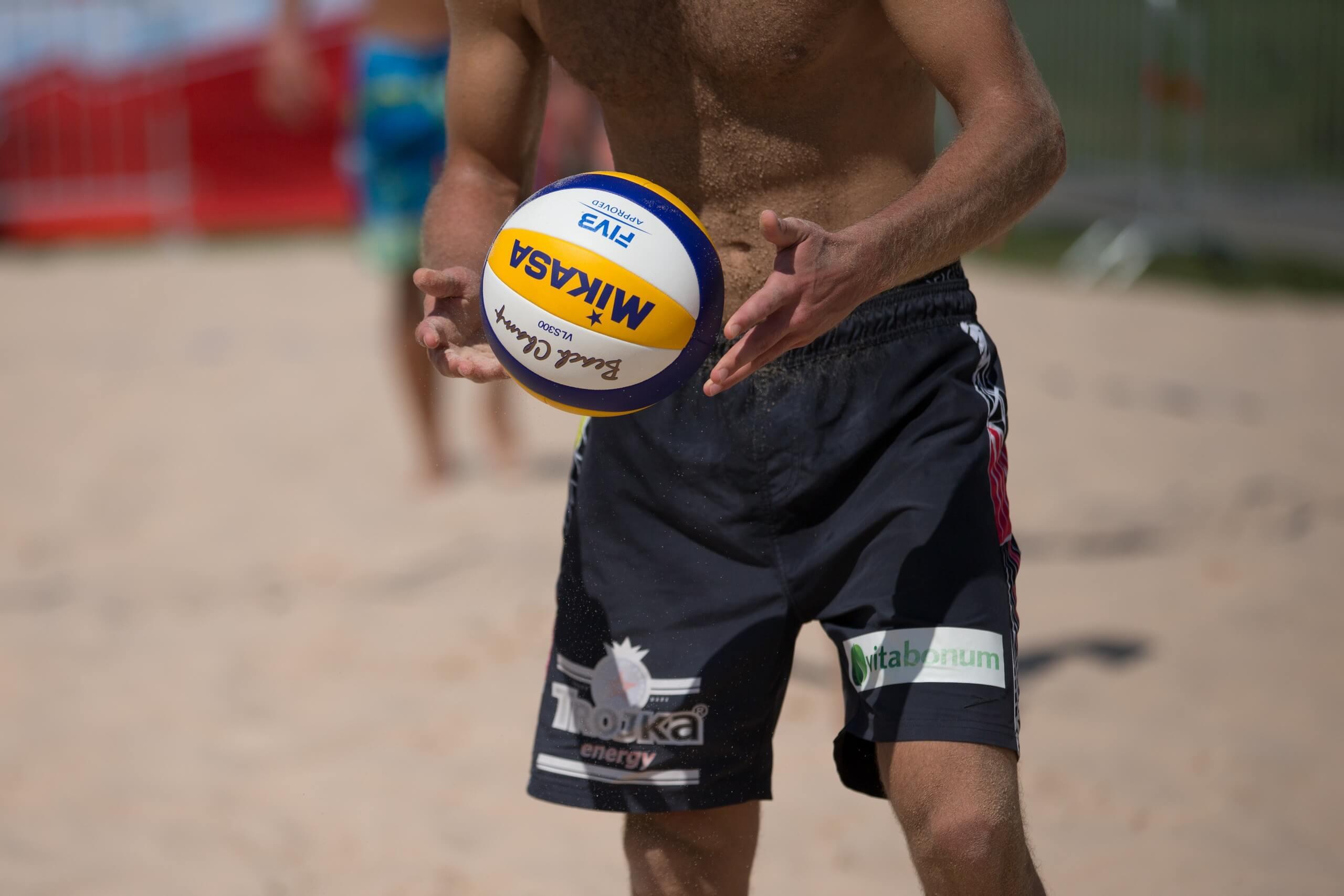 spiez-beach-arena-volley-spiele-sommer-teamsport