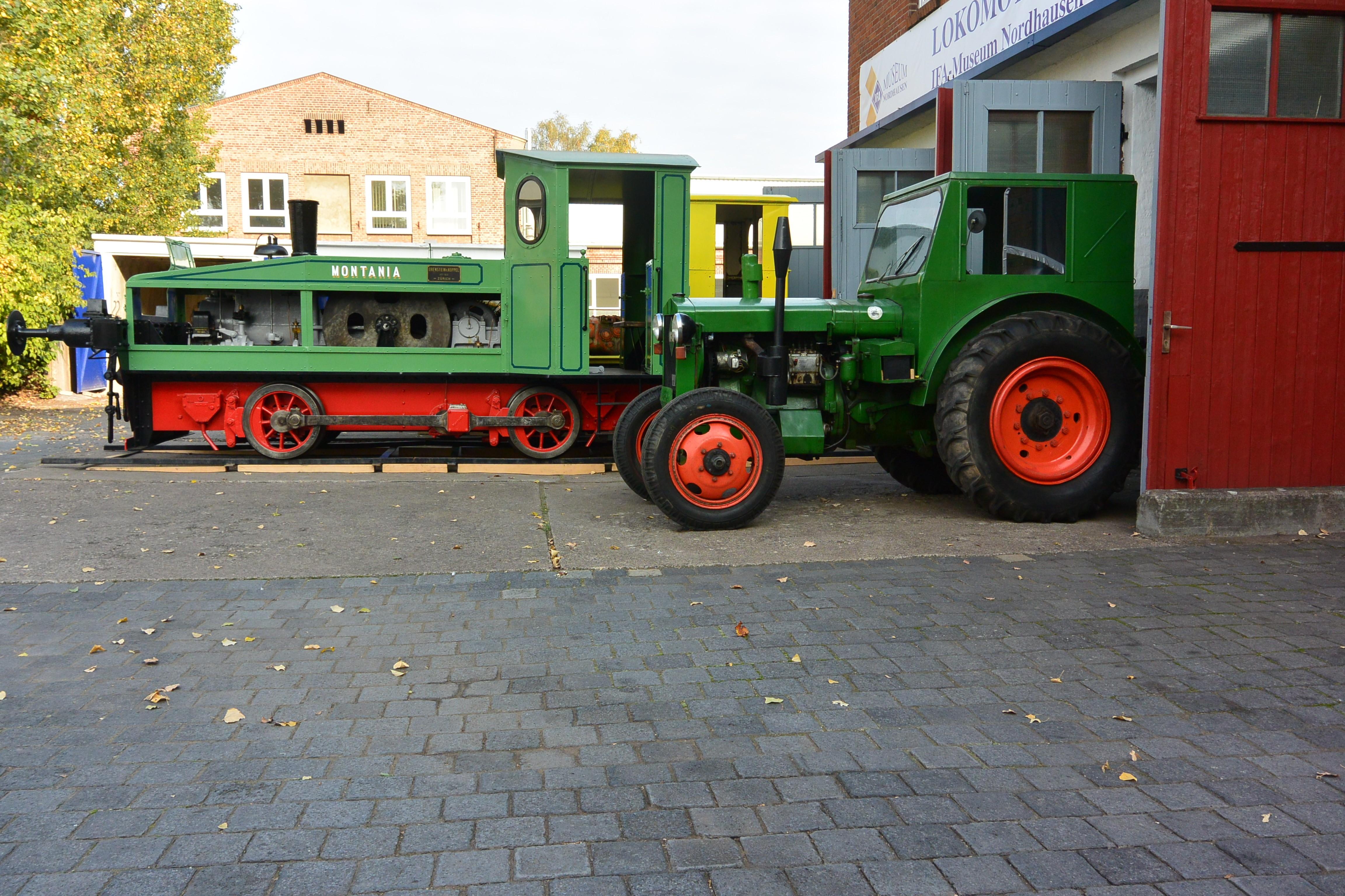 Lok RL1C und Traktor Pionier