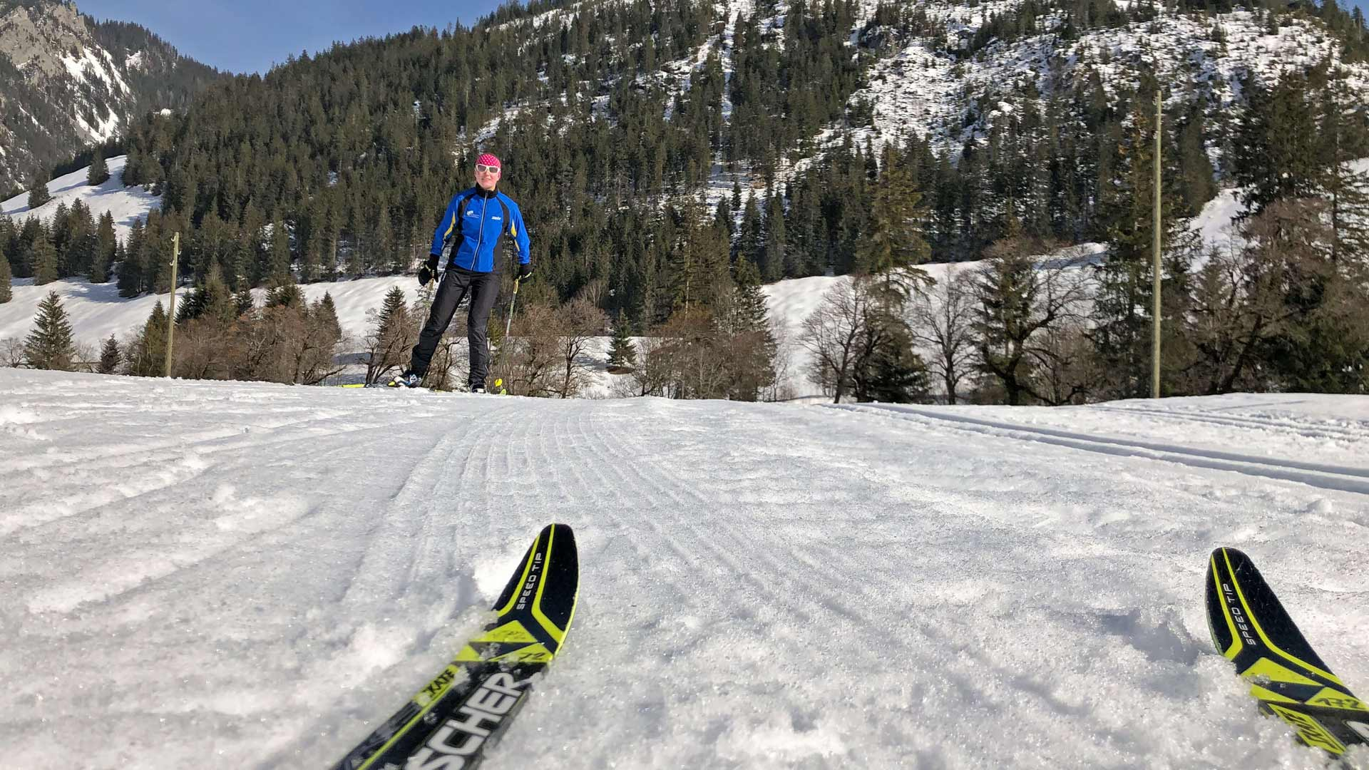 naturpark-diemtigtal-langlaufskis-langlaeufer