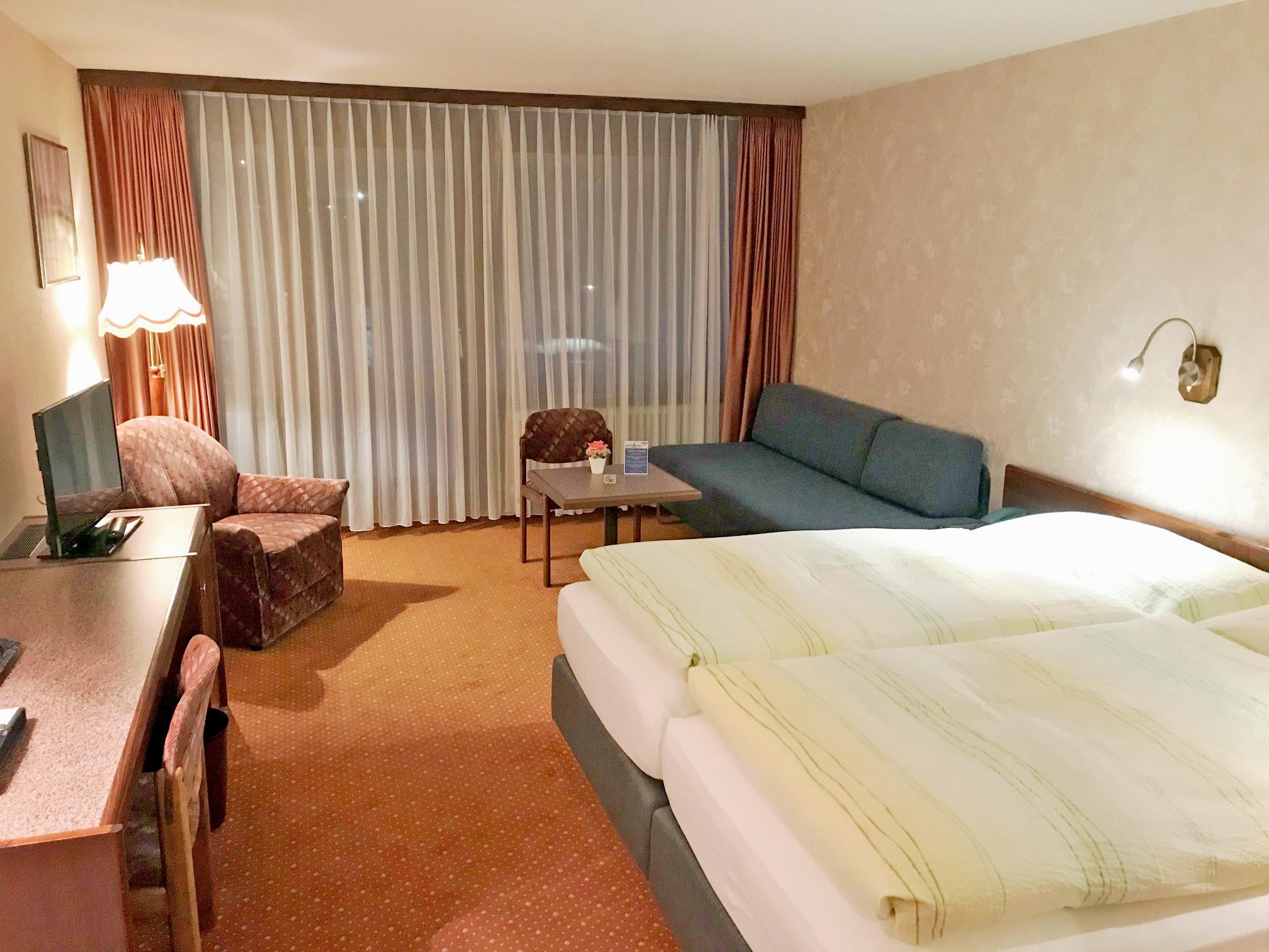 seegarten-marina-doppelzimmer-abend