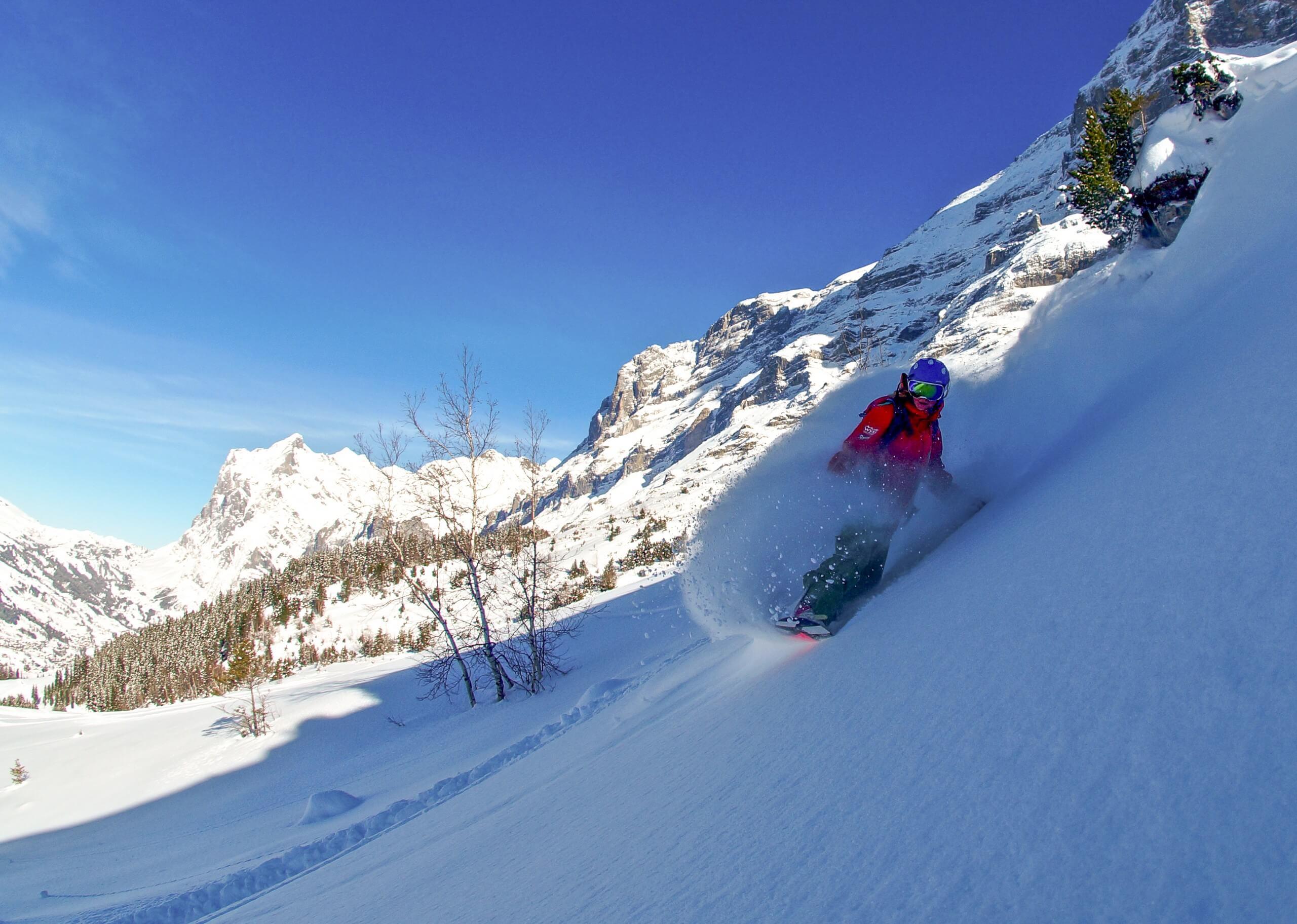 schweizer-skischule-interlaken-kleine-scheidegg-winter-offpist-snowboard