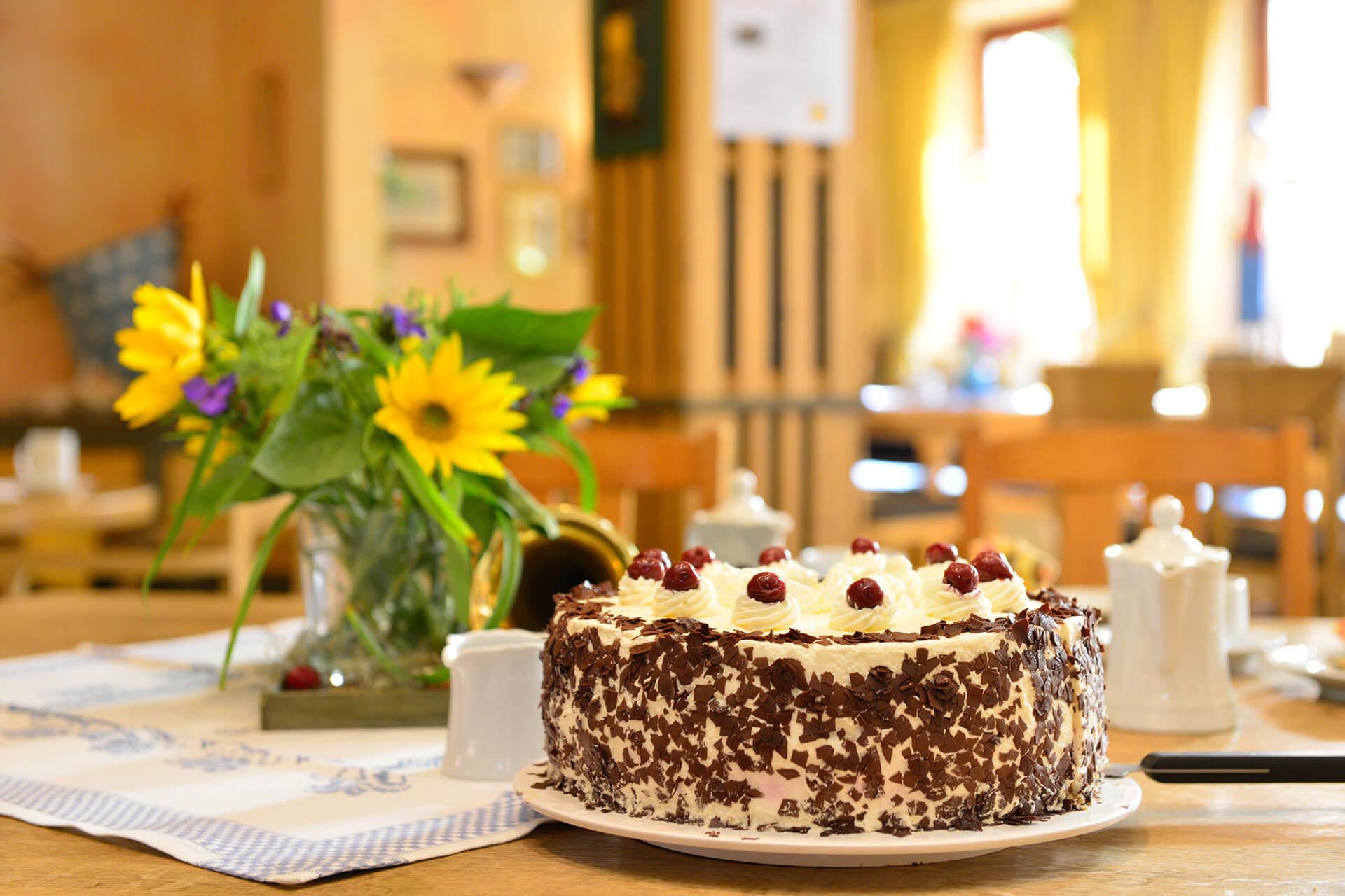 Gedeckter Tisch im Landcafé Neubokel