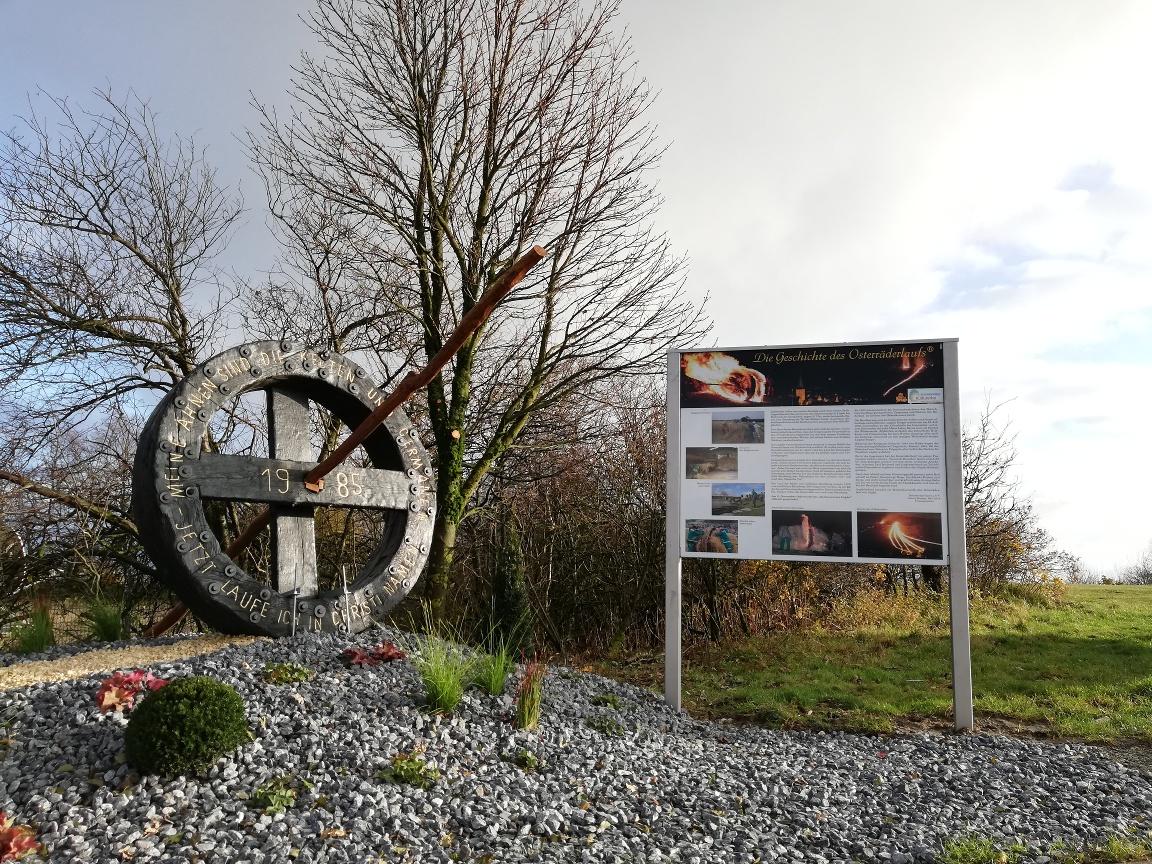 Osterrad-Denkmal auf dem Gipfel des Köterbergs