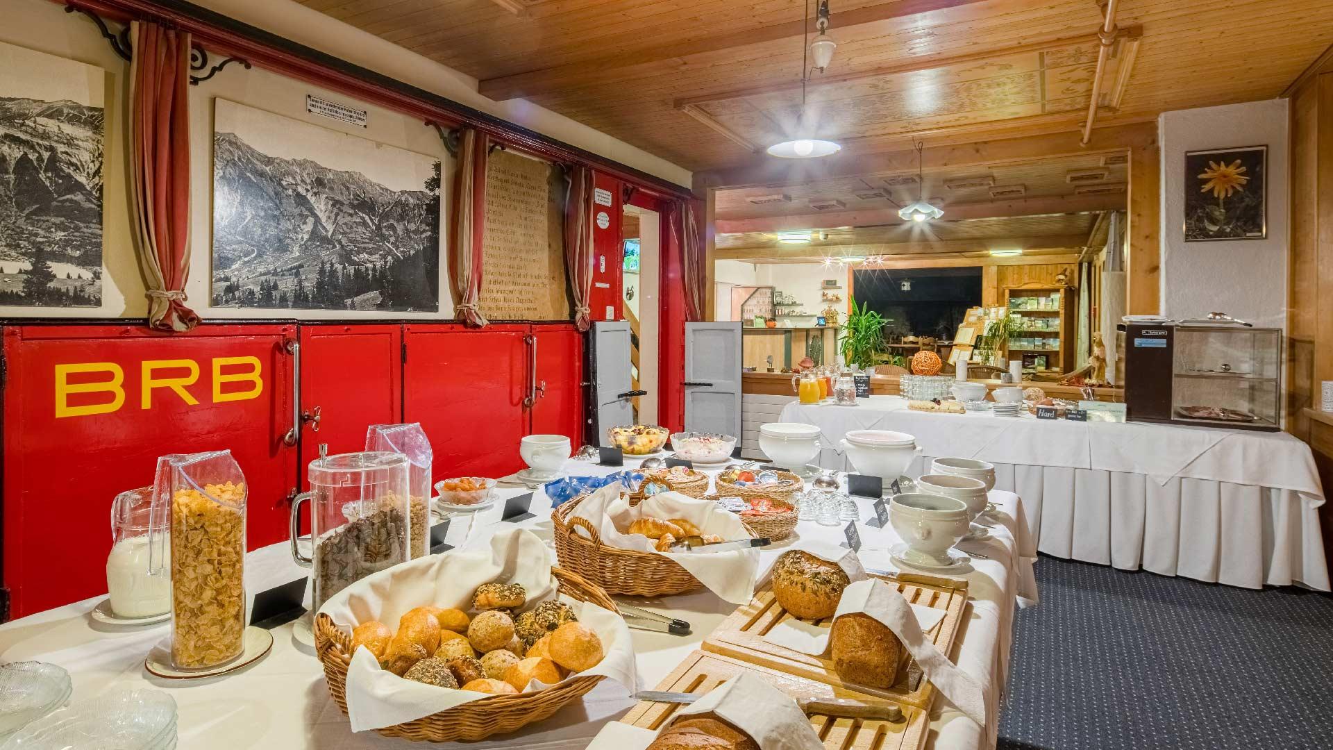 lindenhof-brienz-fruehstueck-buffet