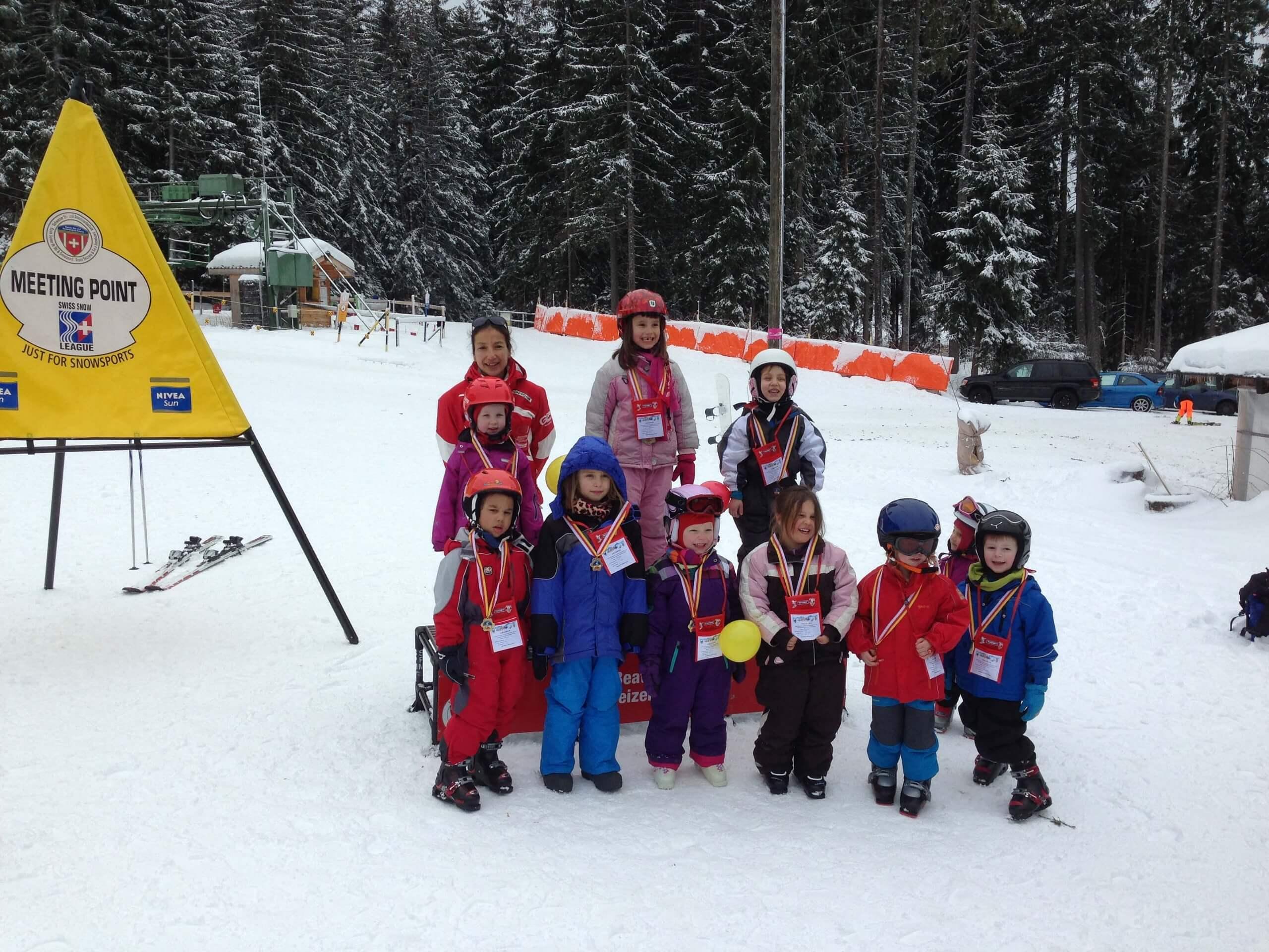 beatenberg-skischule-kinder-winter-pisten-wintersport