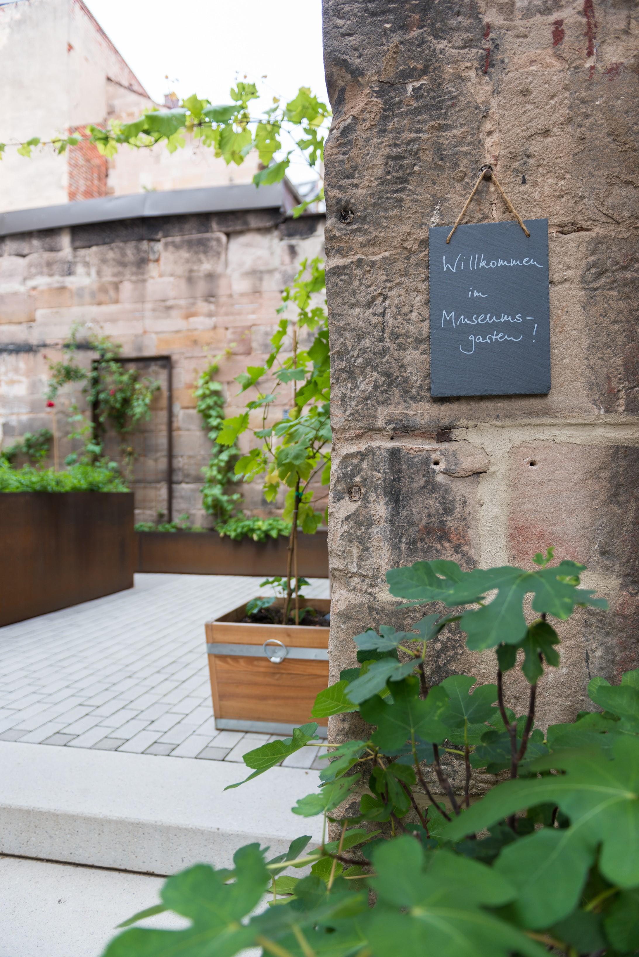 juedisches-museum-franken-museumsgarten-2