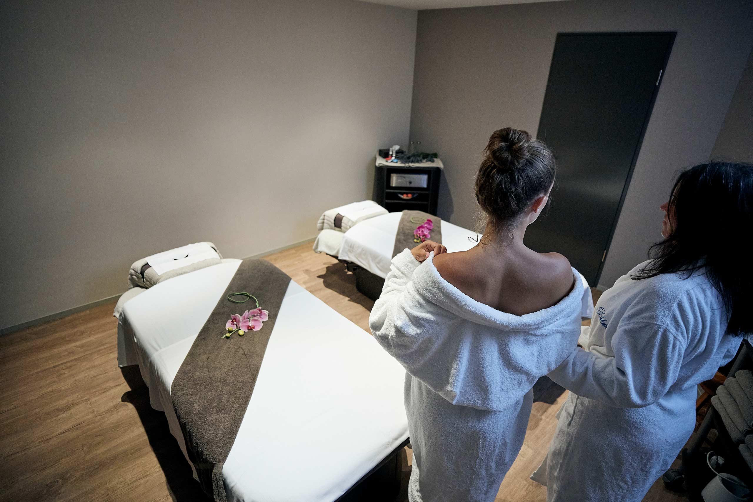 spiez-belvedere-wellness-oase-massageraum.jpg