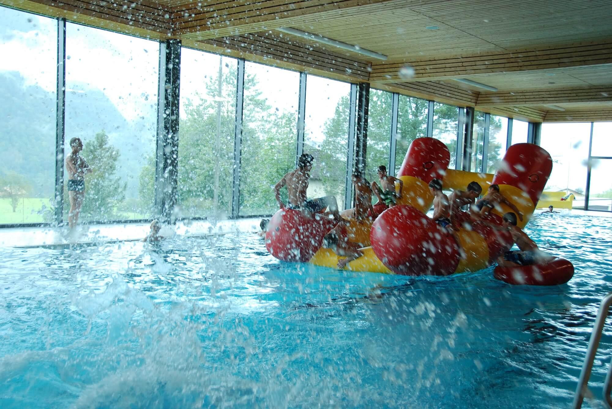 aeschi-hallenbad-kinder-herbst-schwimmen