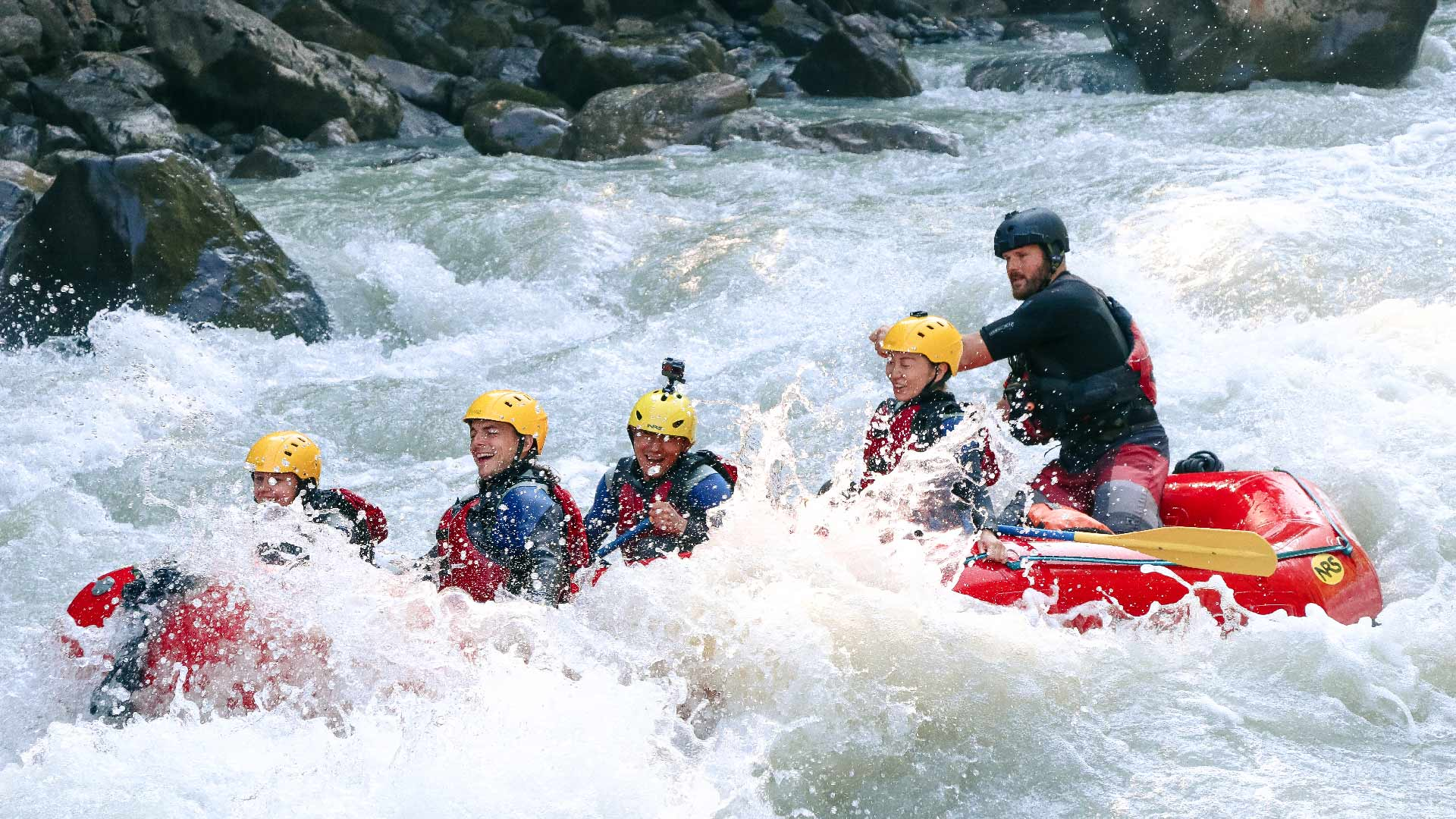 river-rafting-sommer-adventure-spass-wasser