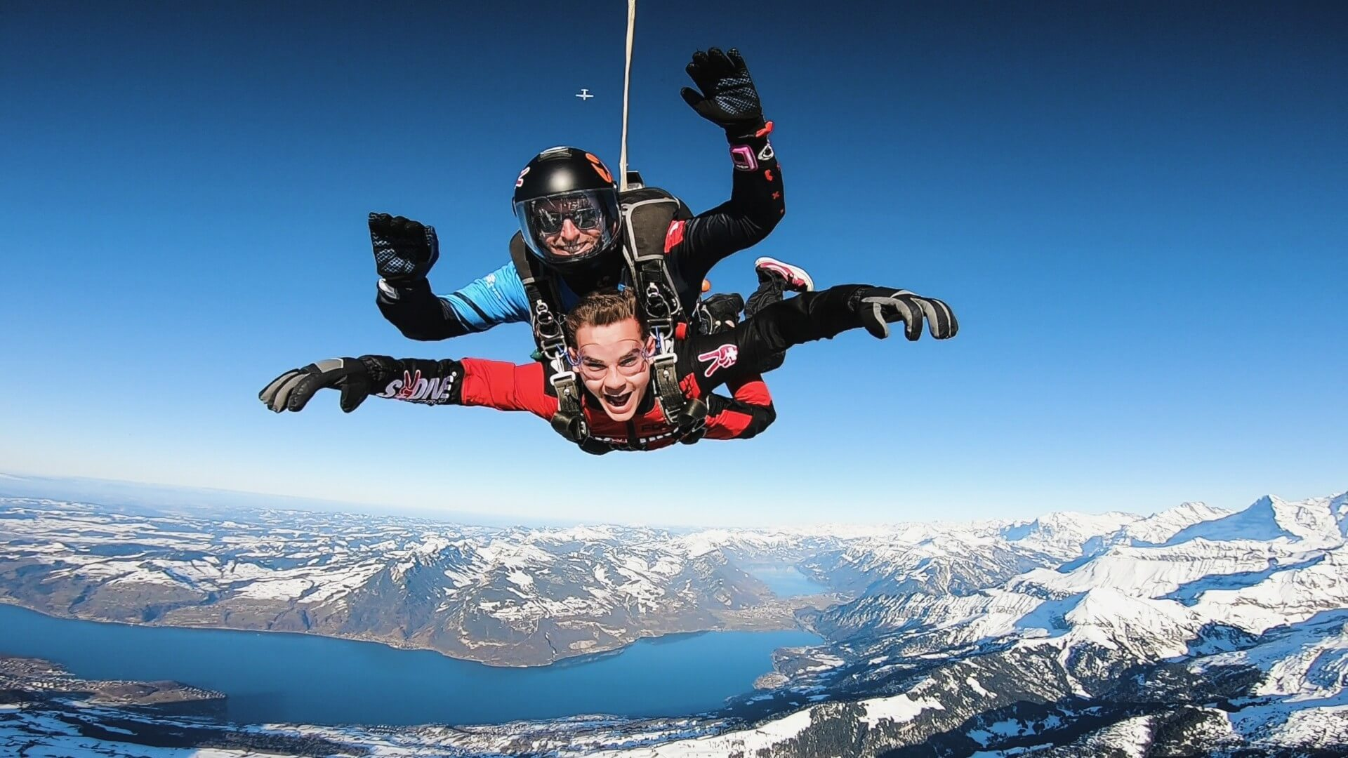 skydive-switzerland-winter-panorama