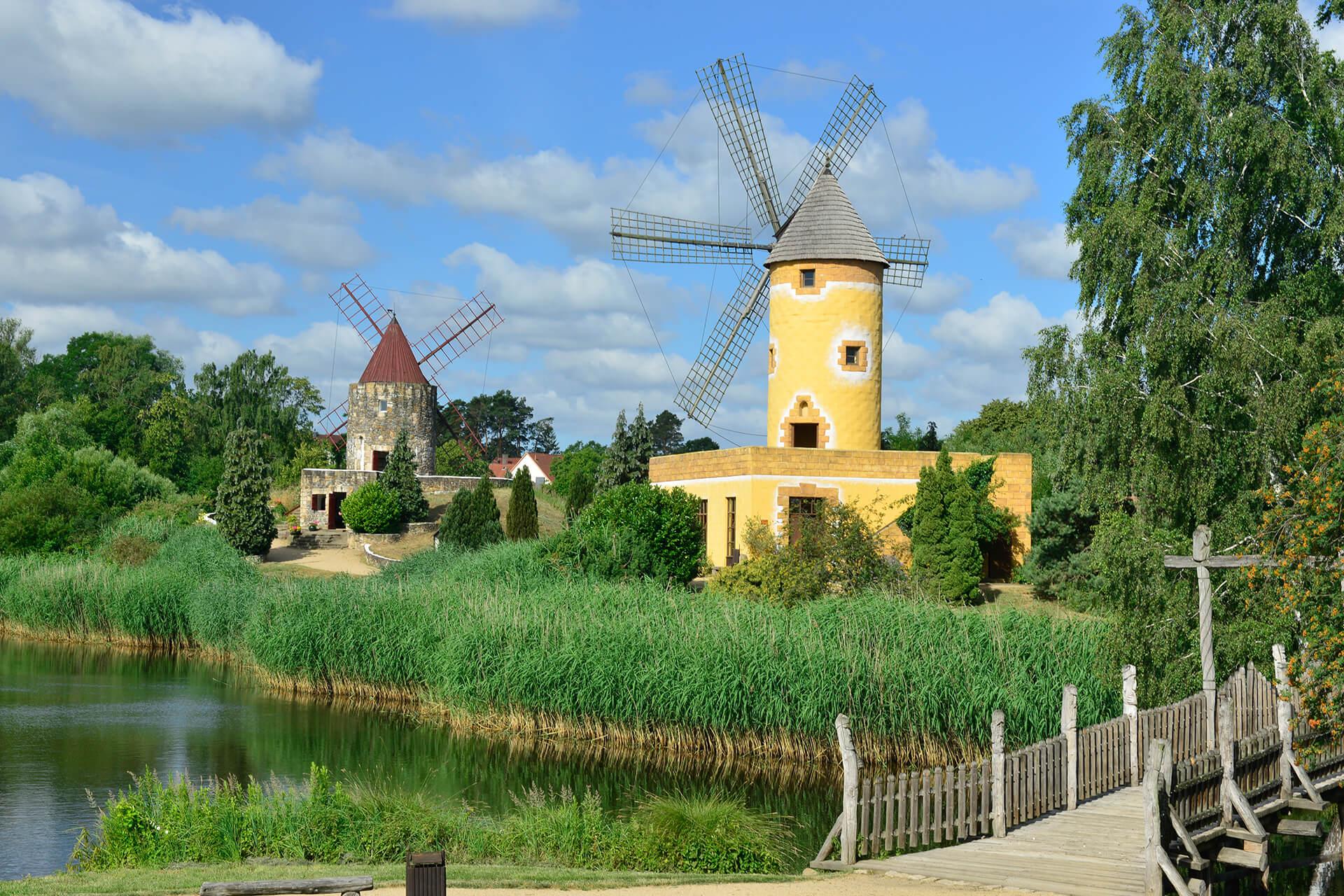 Französische und mallorquinische Mühlen im Internationalen Mühlenmuseum Gifhorn