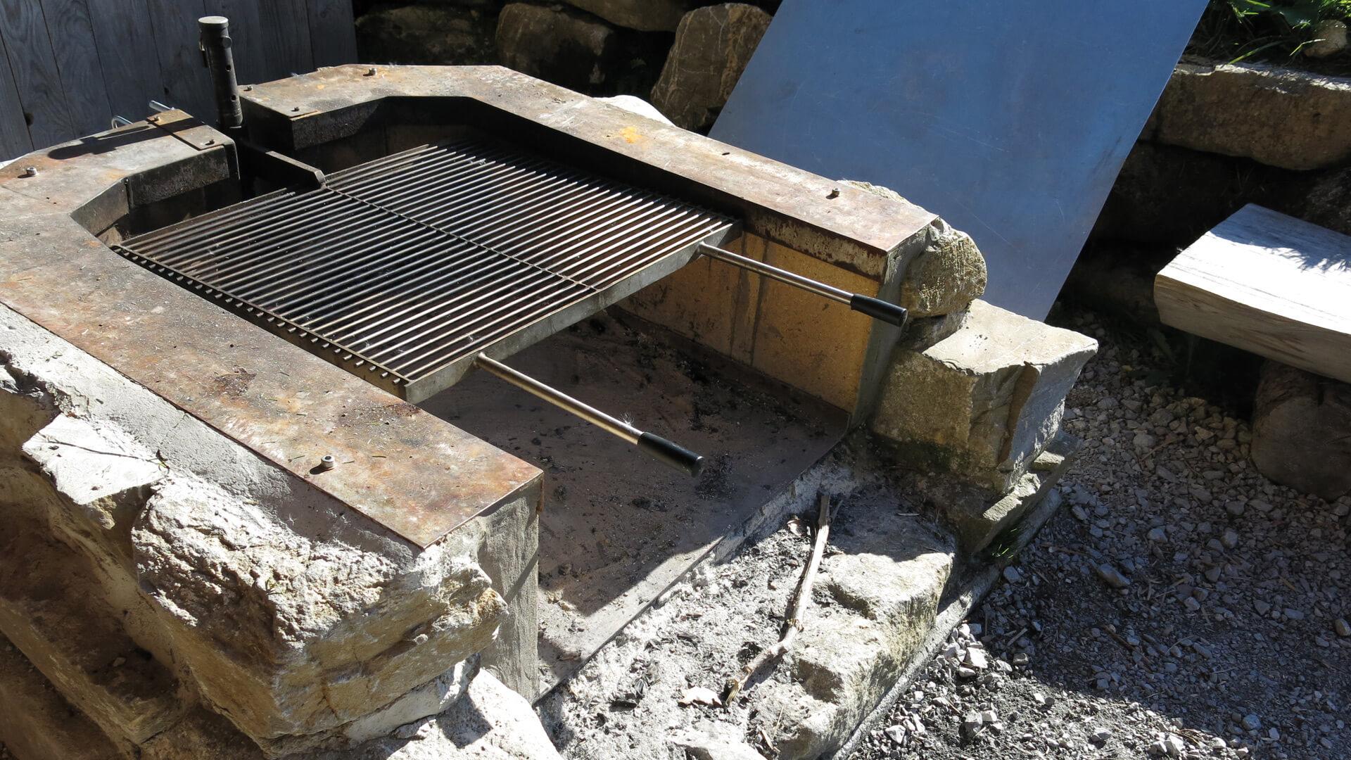 naturpark-diemtigtal-feuerstelle-schwingerweg-grill