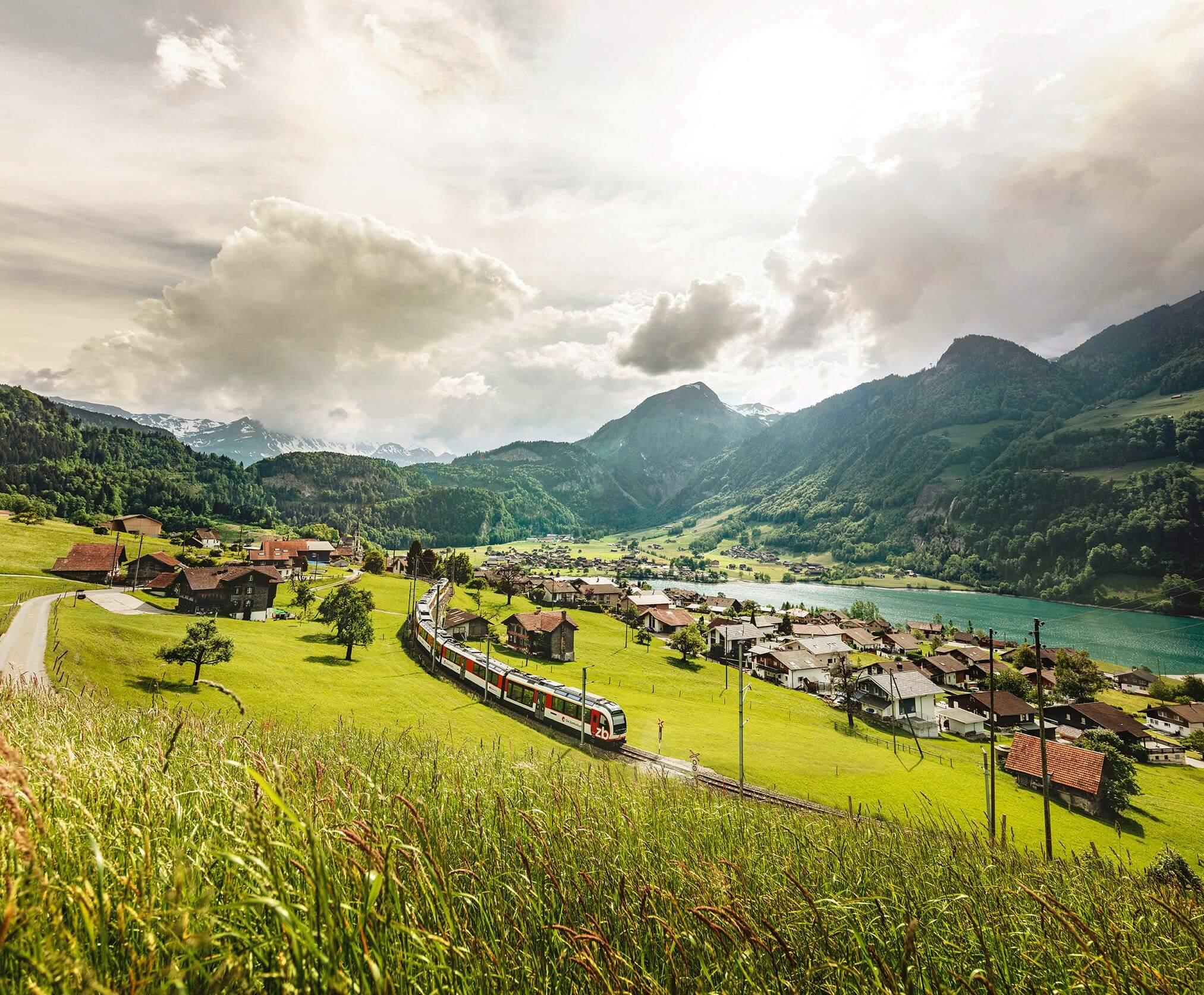 luzern-interlaken-express-fruehling-zentralbahn-lungern