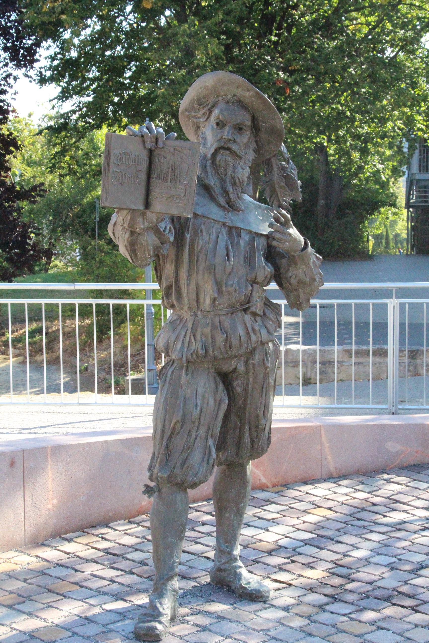 Wolfhagen_Hans-Staden_Denkmal2.jpg