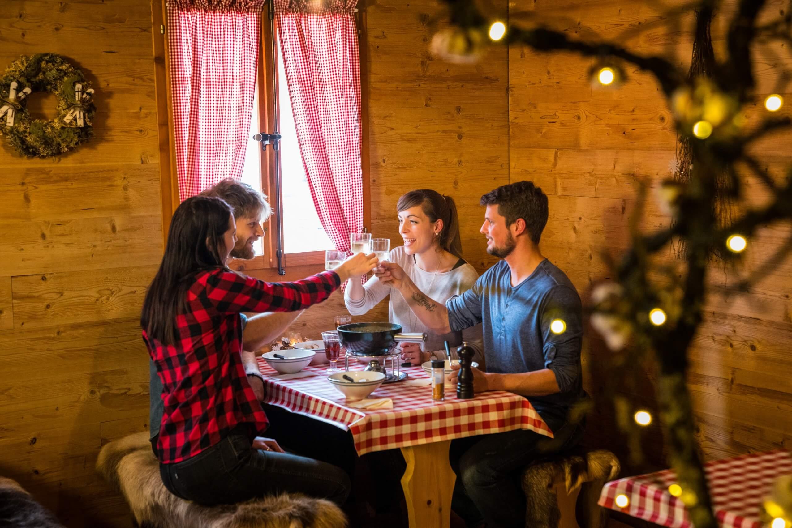 brienz-hot-pot-restaurant-fondue-essen-winter