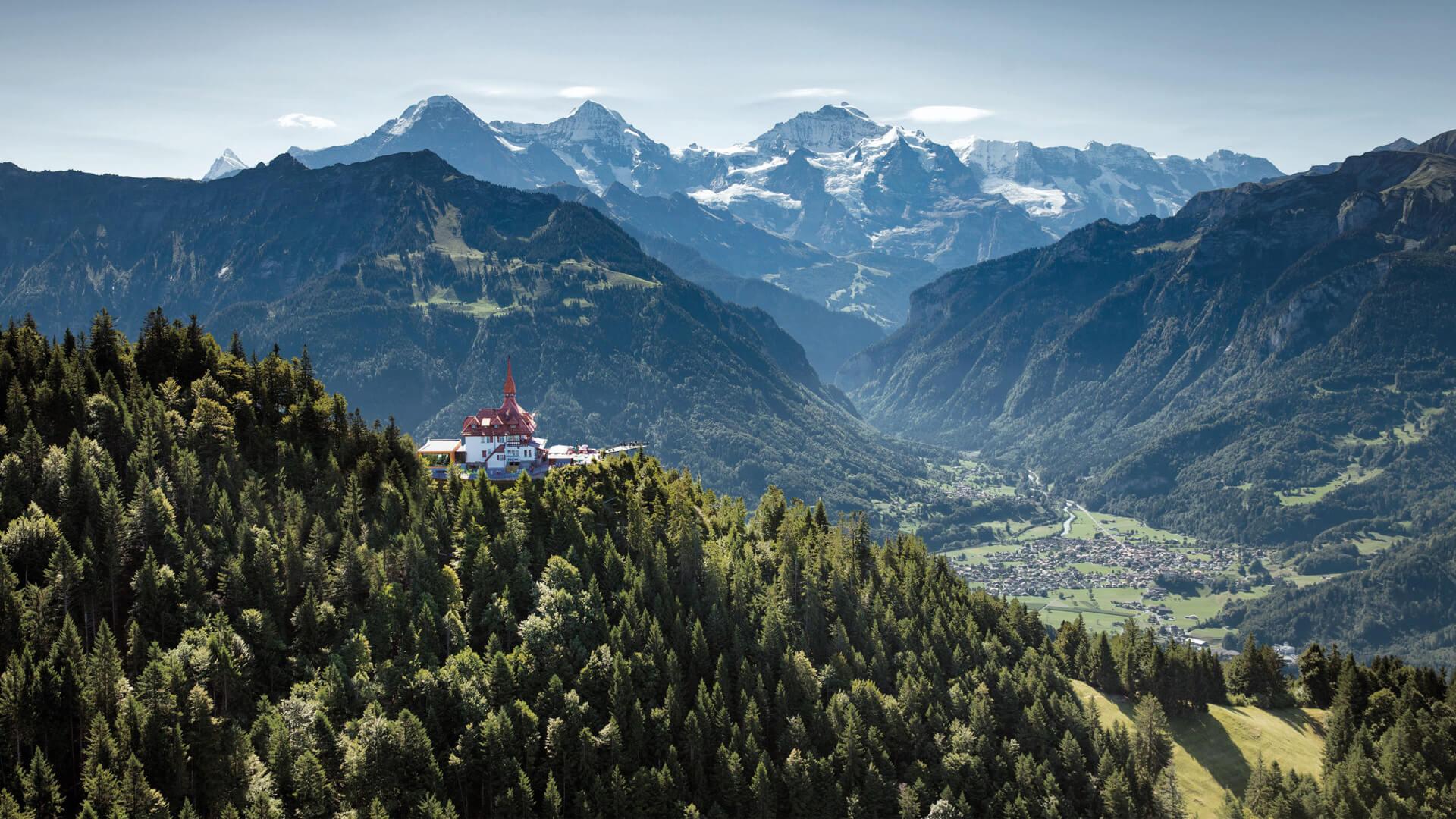 harder-kulm-aussicht-sommer-eiger-moench-jungfrau-panorama-von-oben