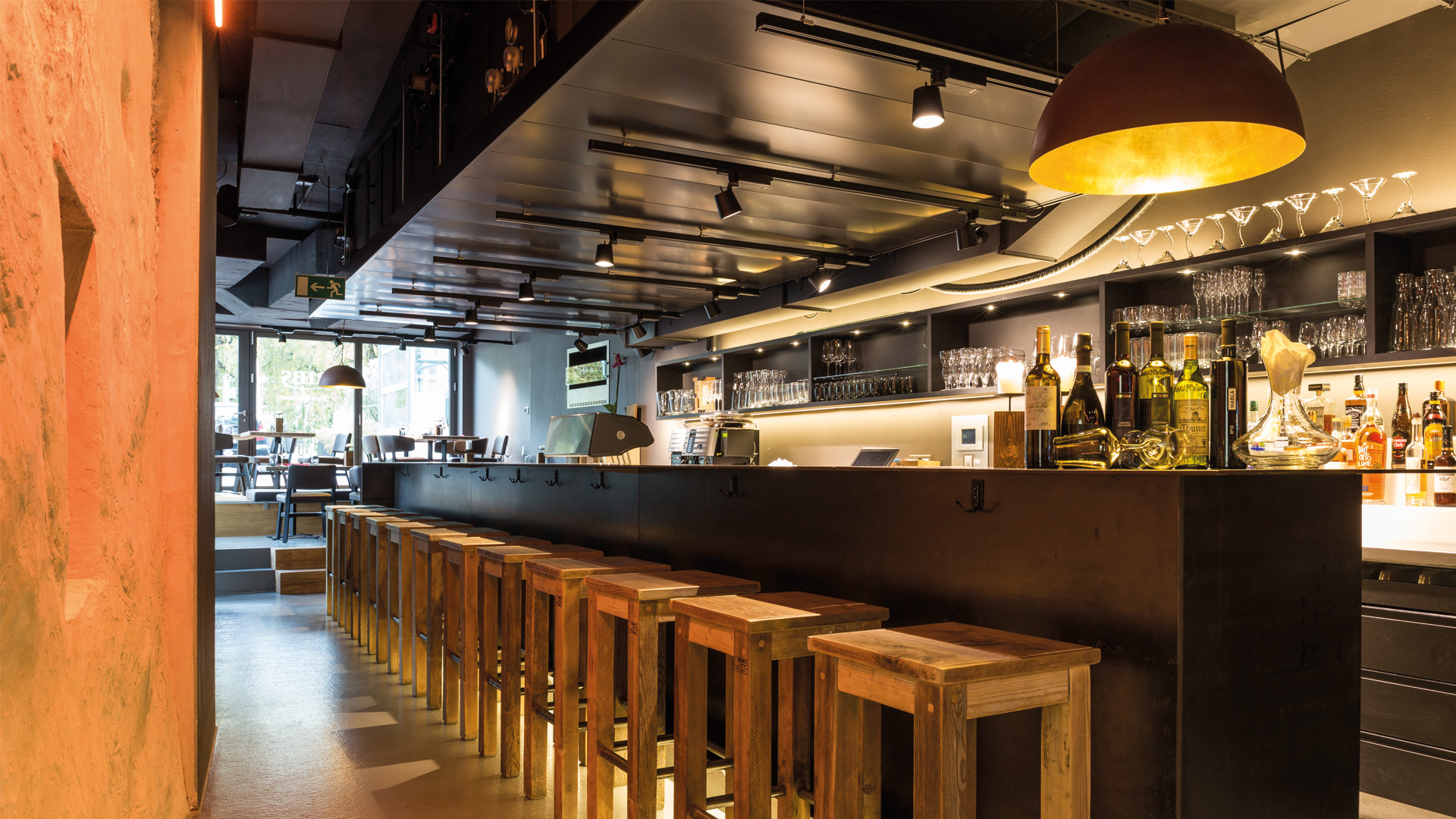 ribs-steakhouse-bar