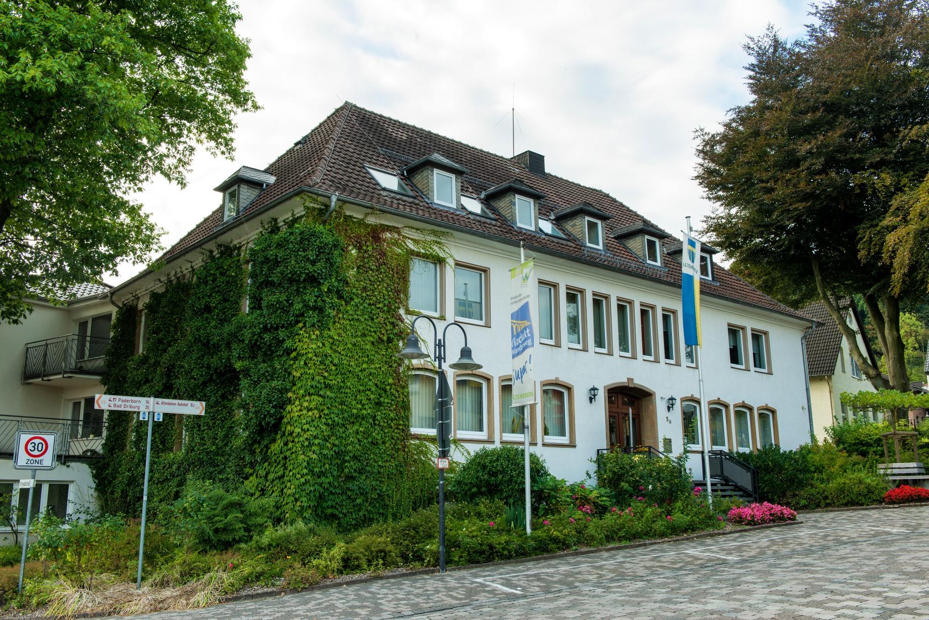 Rathaus und Tourist-Information Altenbeken