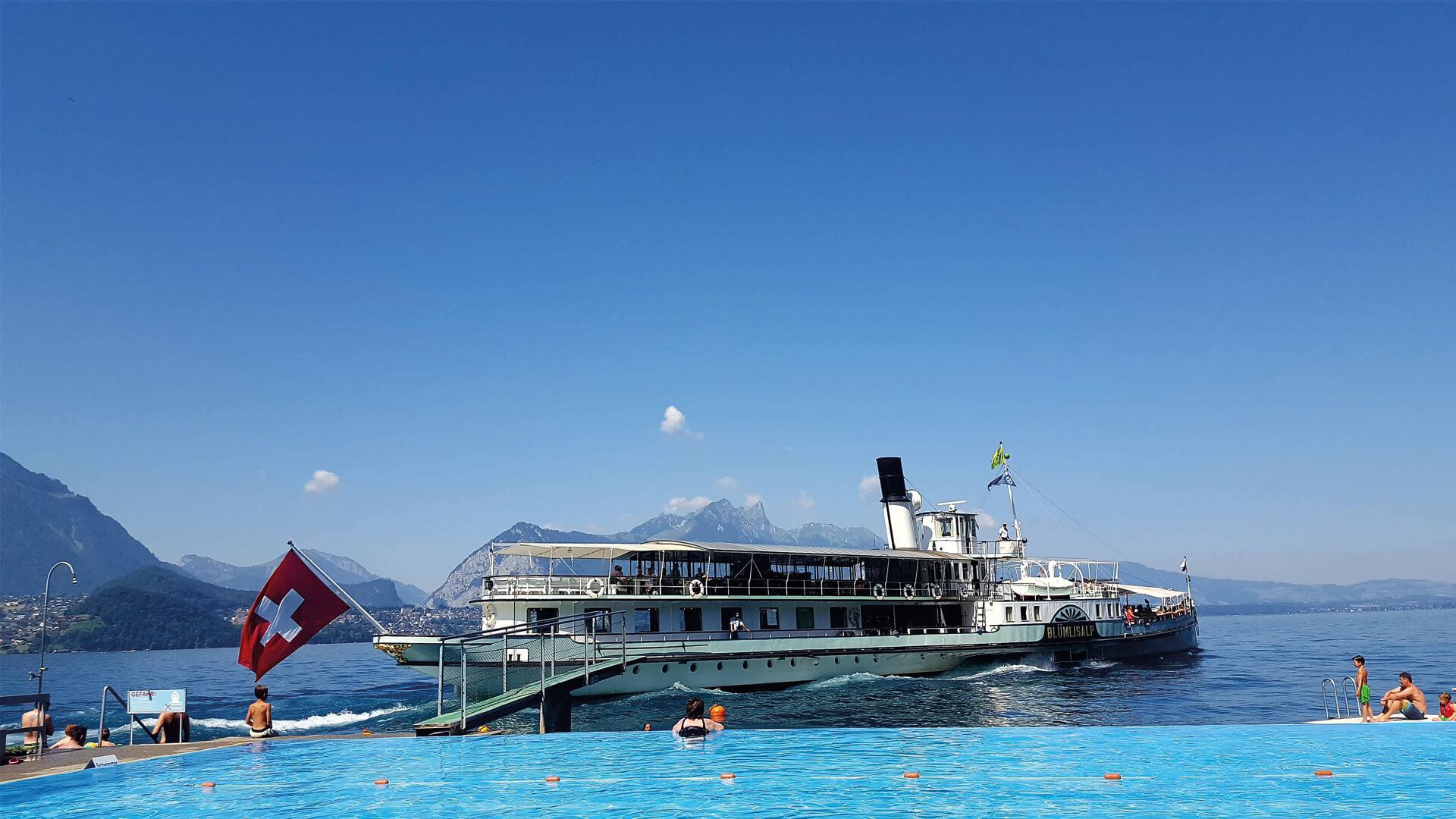 merligen-strandbad-sommer-pool-thunersee-kursschiff