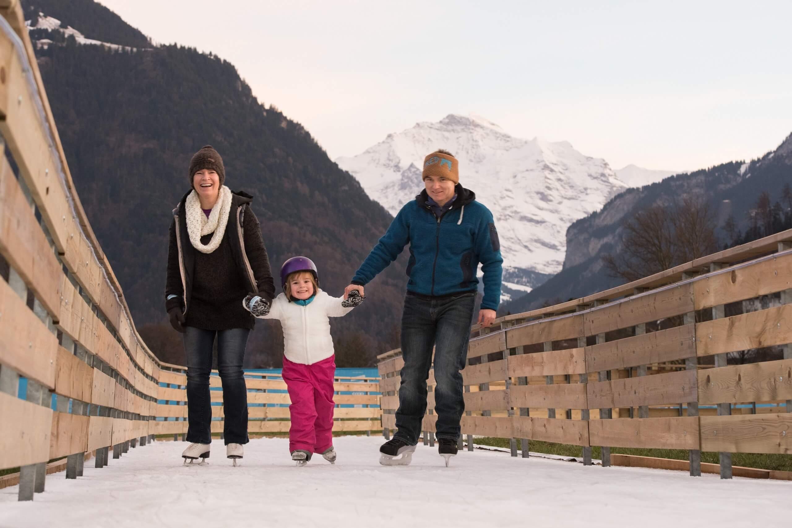 interlaken-top-of-europe-ice-magic-familie-schlittschuhlaufen-winter-eisweg-jungfrau-winterevents