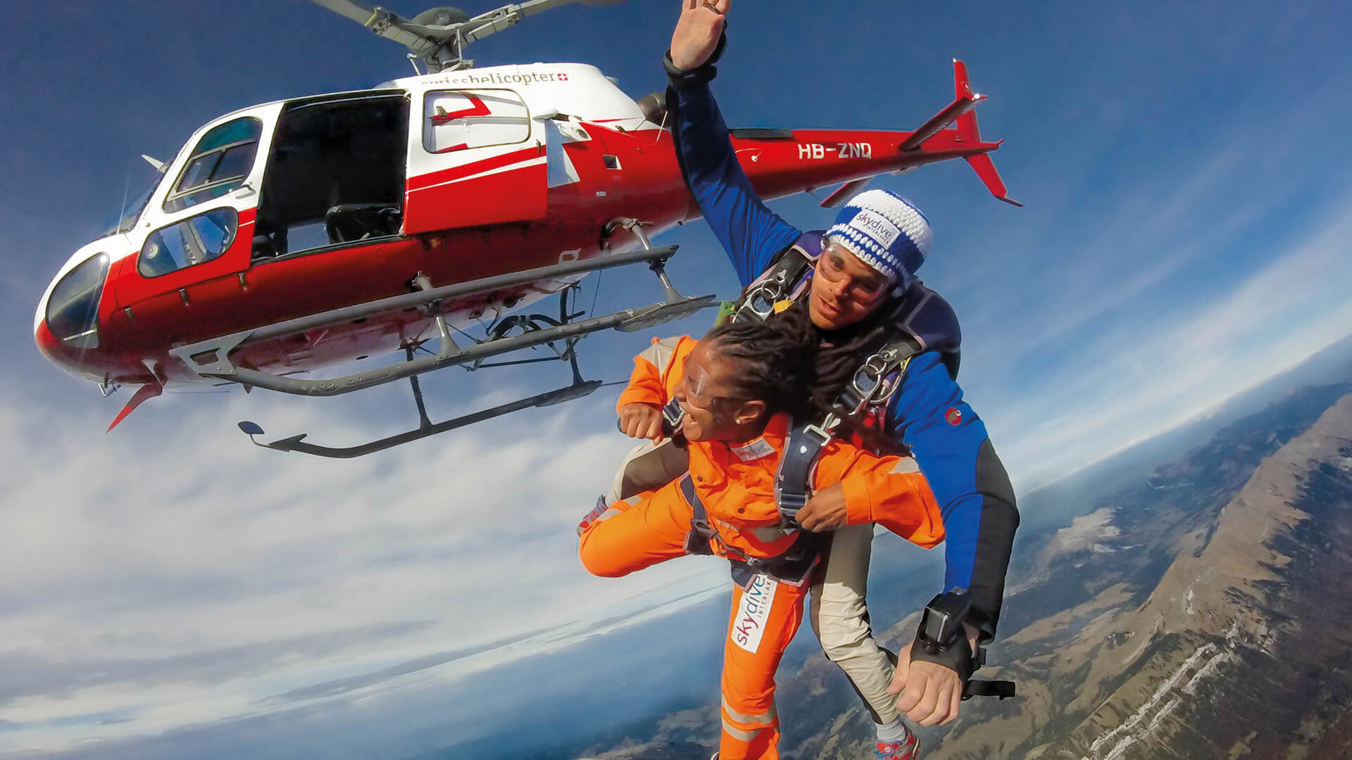 skydive-interlaken-helikopter-jump-sommer