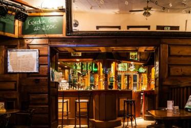 Backpackers INN _Sicht auf die Bar