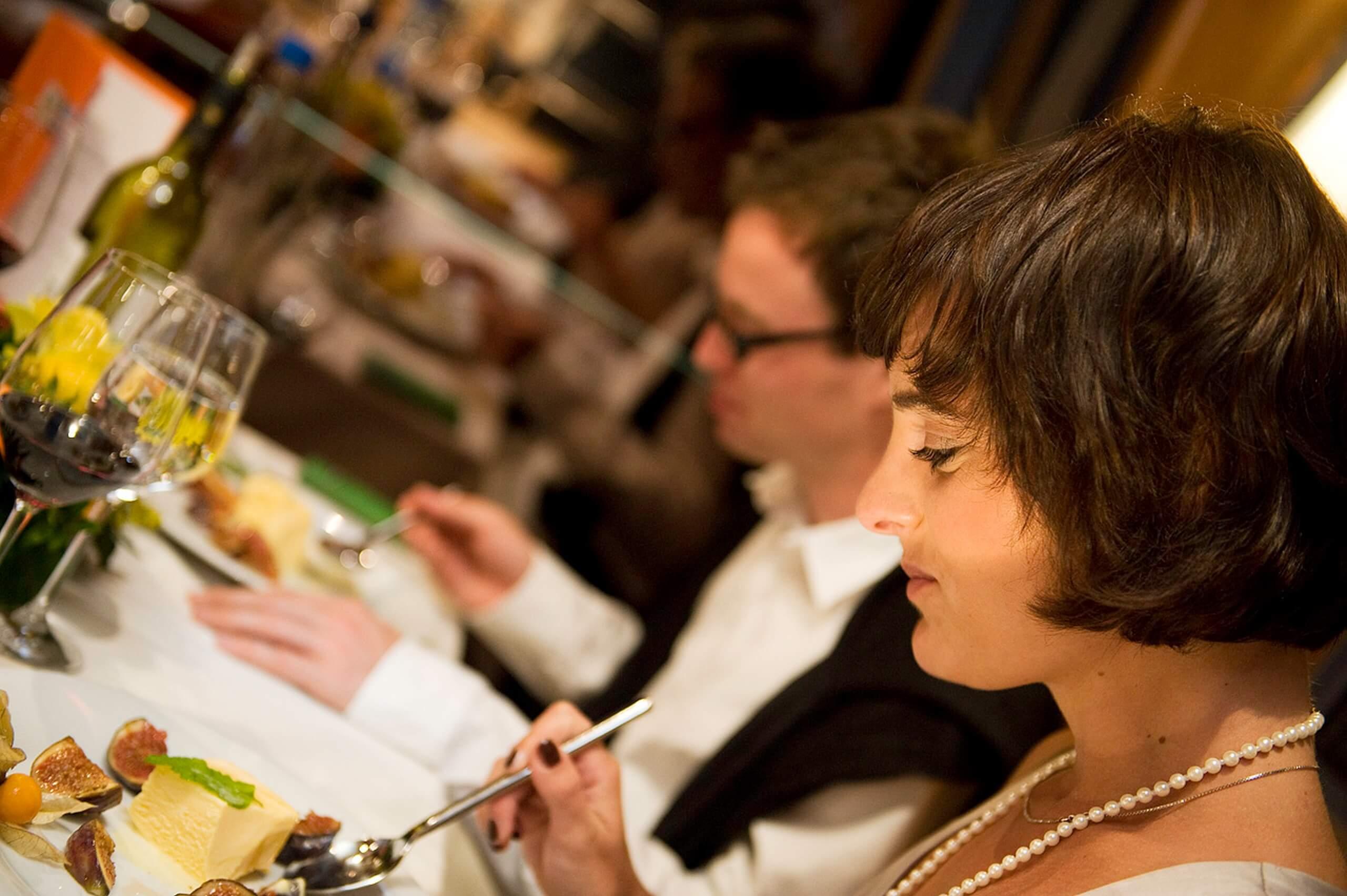 thunersee-bls-schifffahrt-essen-restaurant