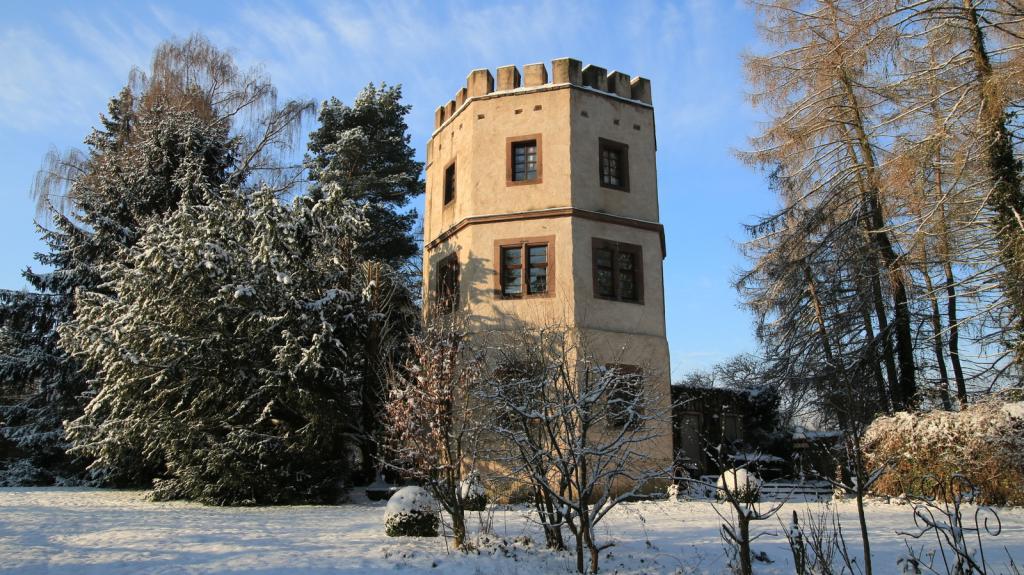 Drosteturm im Schlosspark Wehrden