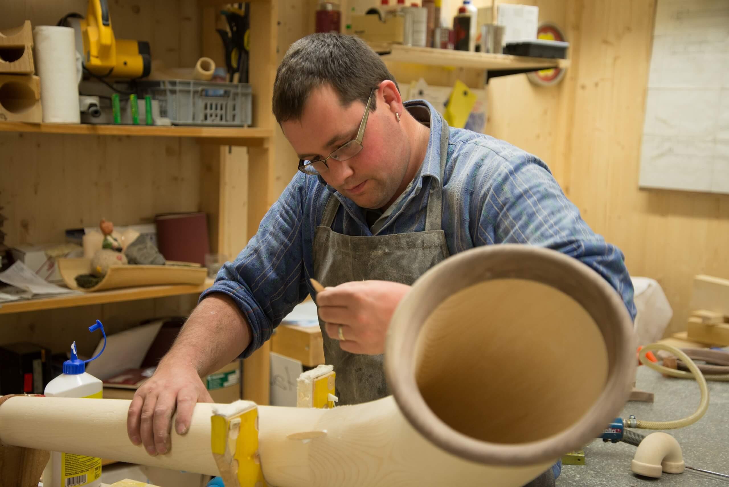 habkern-bernatone-alphornbau-heinz-alphorn-traditionelle-handwerke