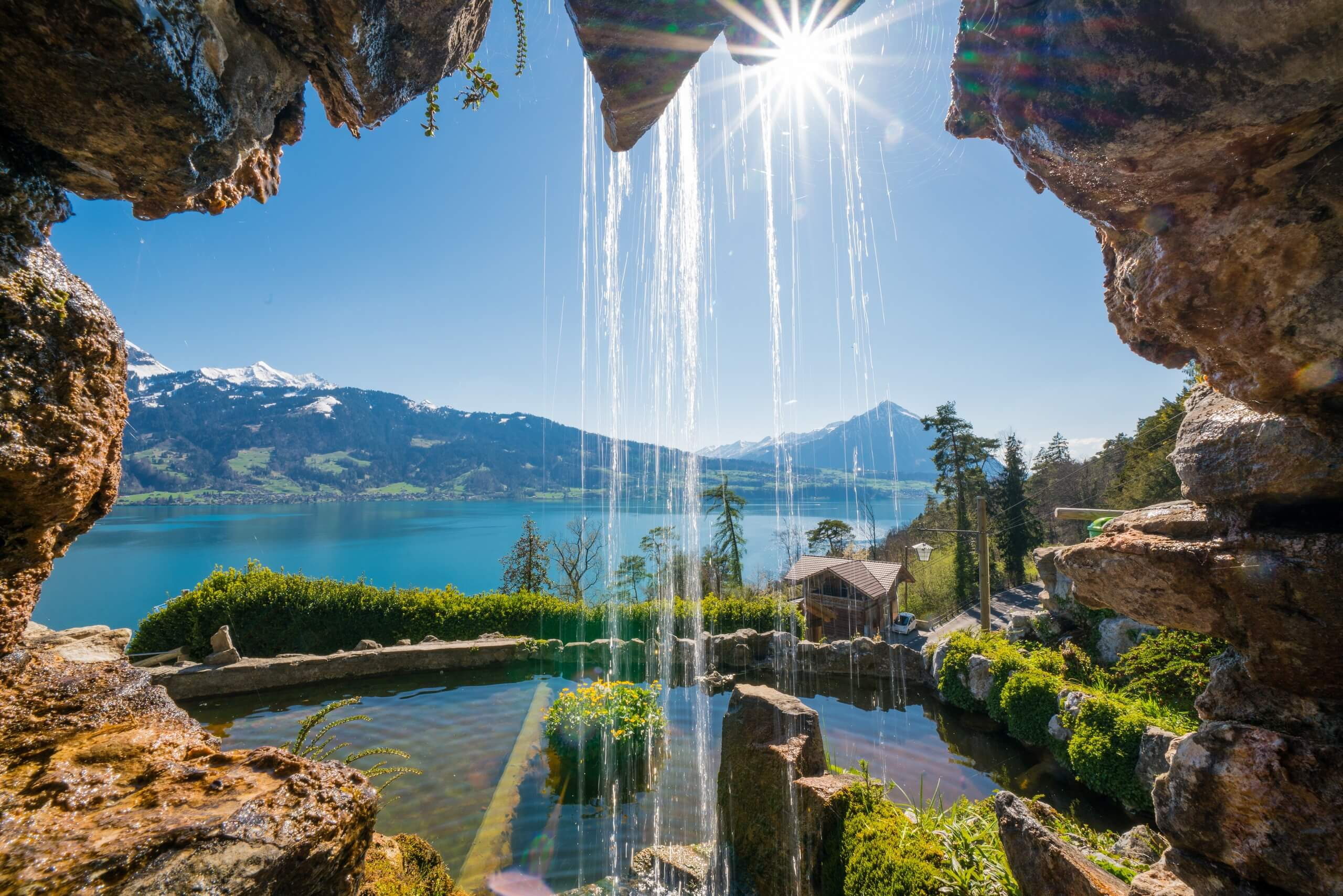 st-beatus-h-hlen-fr-hling-wasser-thunersee-berge