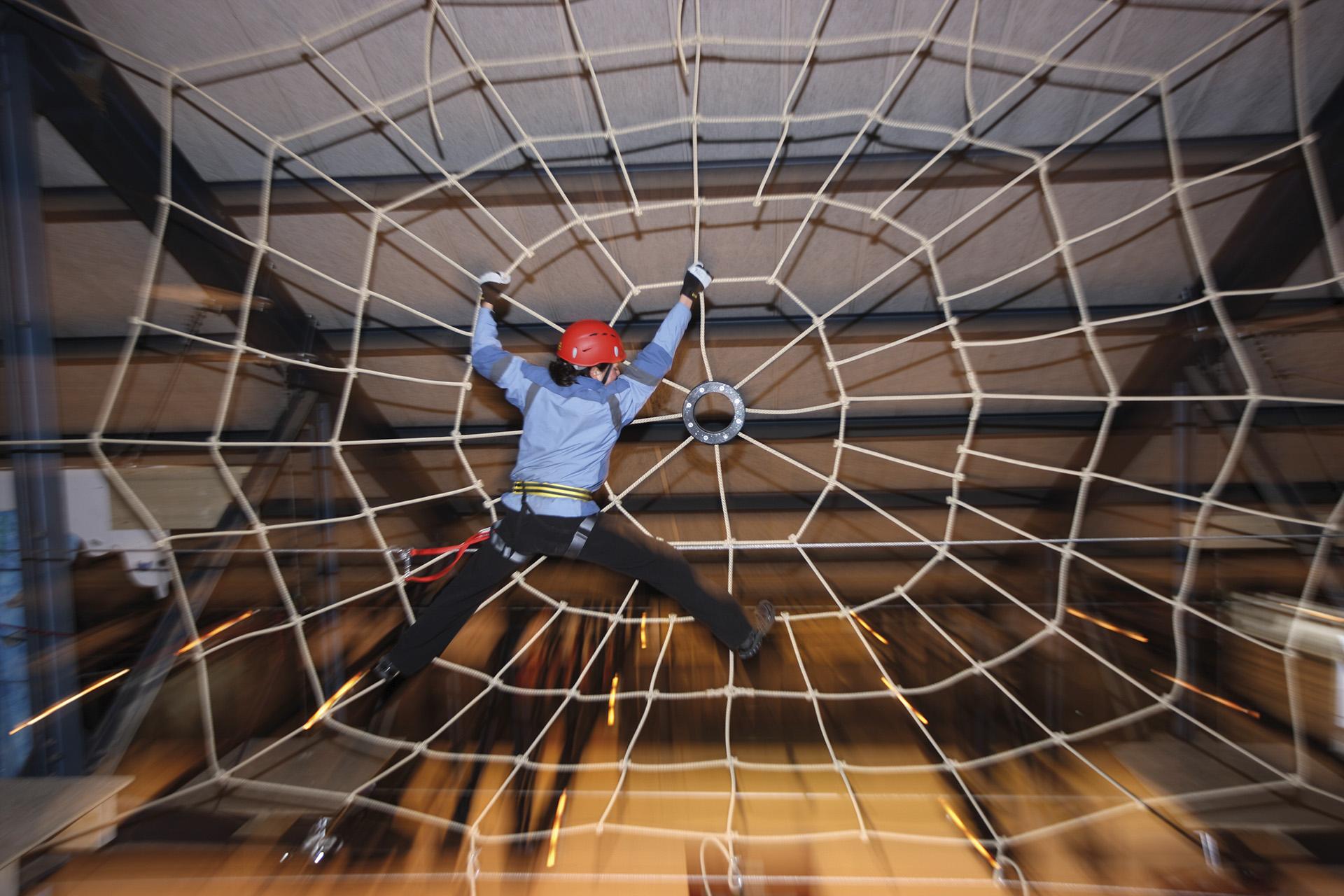 grindelwald-indoor-seilpark-spinnennetz.jpg