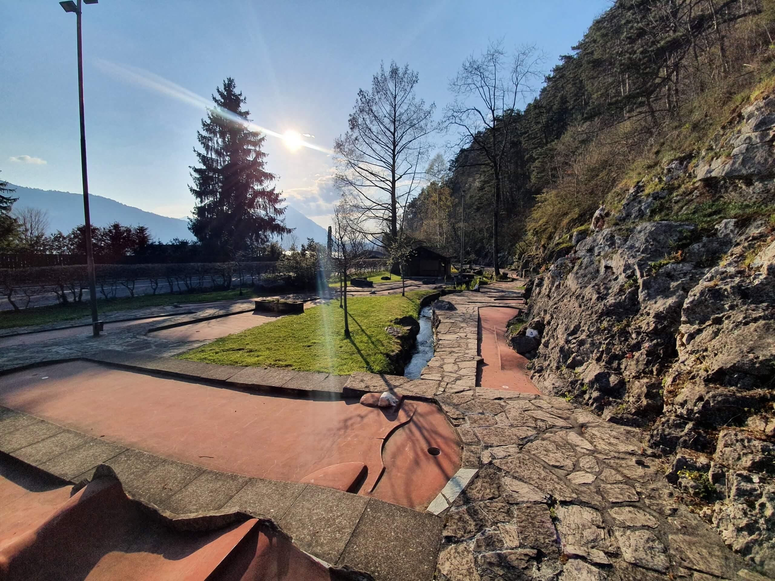minigolf-manorfarm-neuhaus-niesen