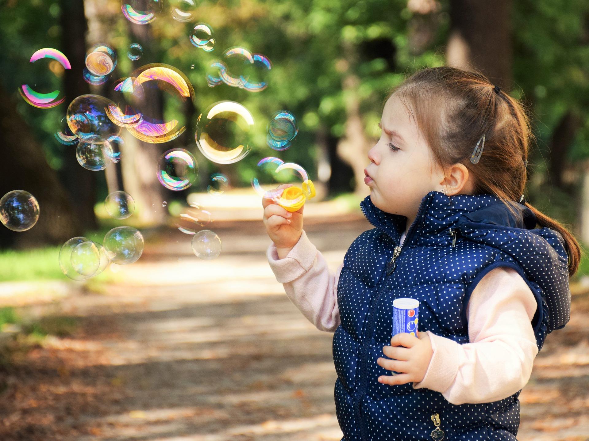 Spielen im Park - toben & werkeln & hüpfen & forschen…