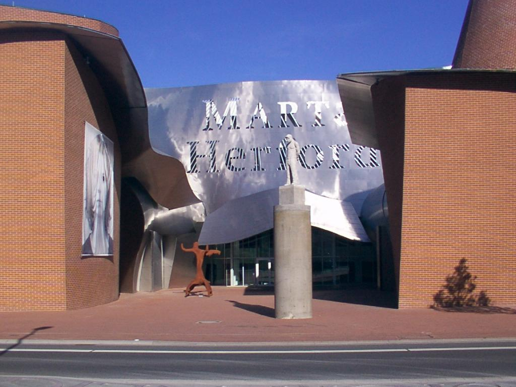 """Museum für zeitgenössische Kunst """"MARTa"""""""