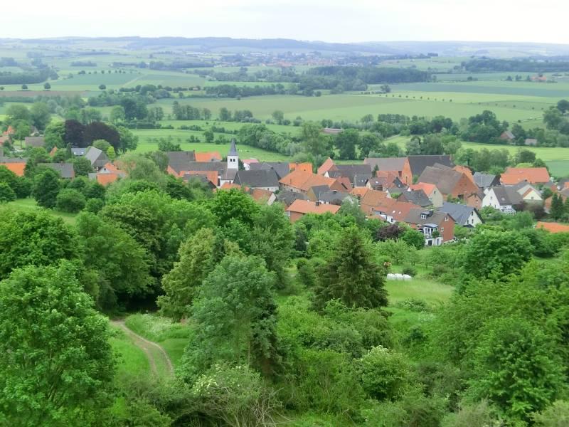 Blick vom Turm auf die benachbarte Ortschaft Entrup