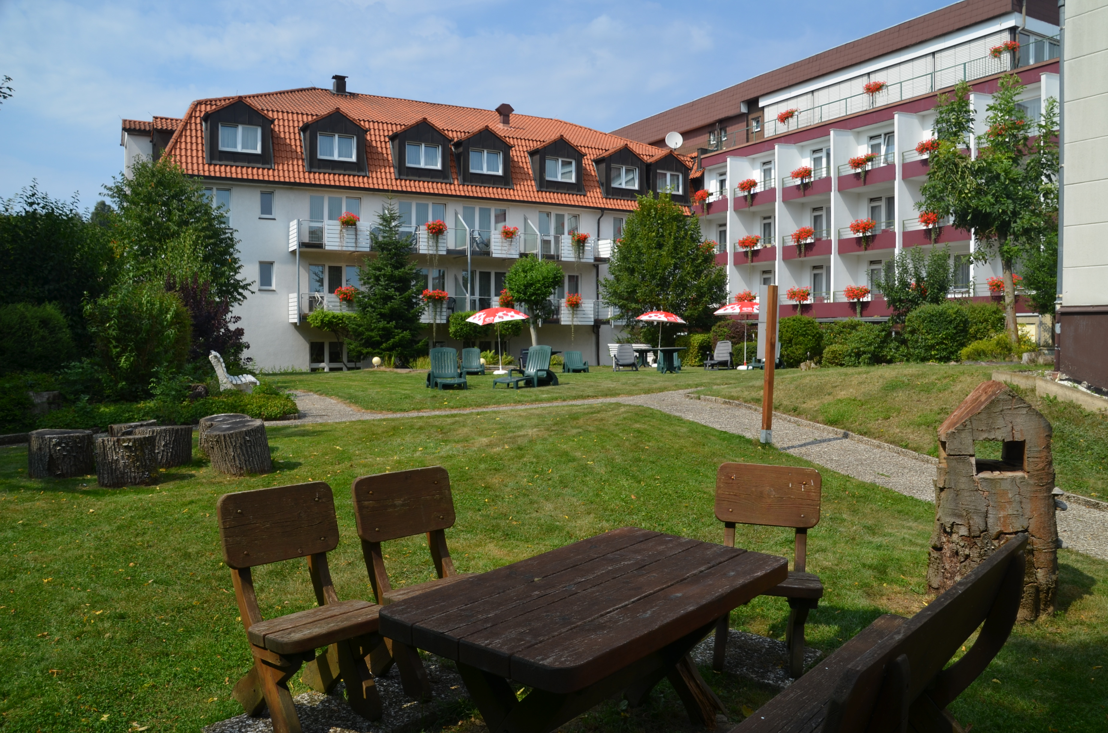 Hotel Heikenberg in Bad Lauterberg - Blick vom Garten