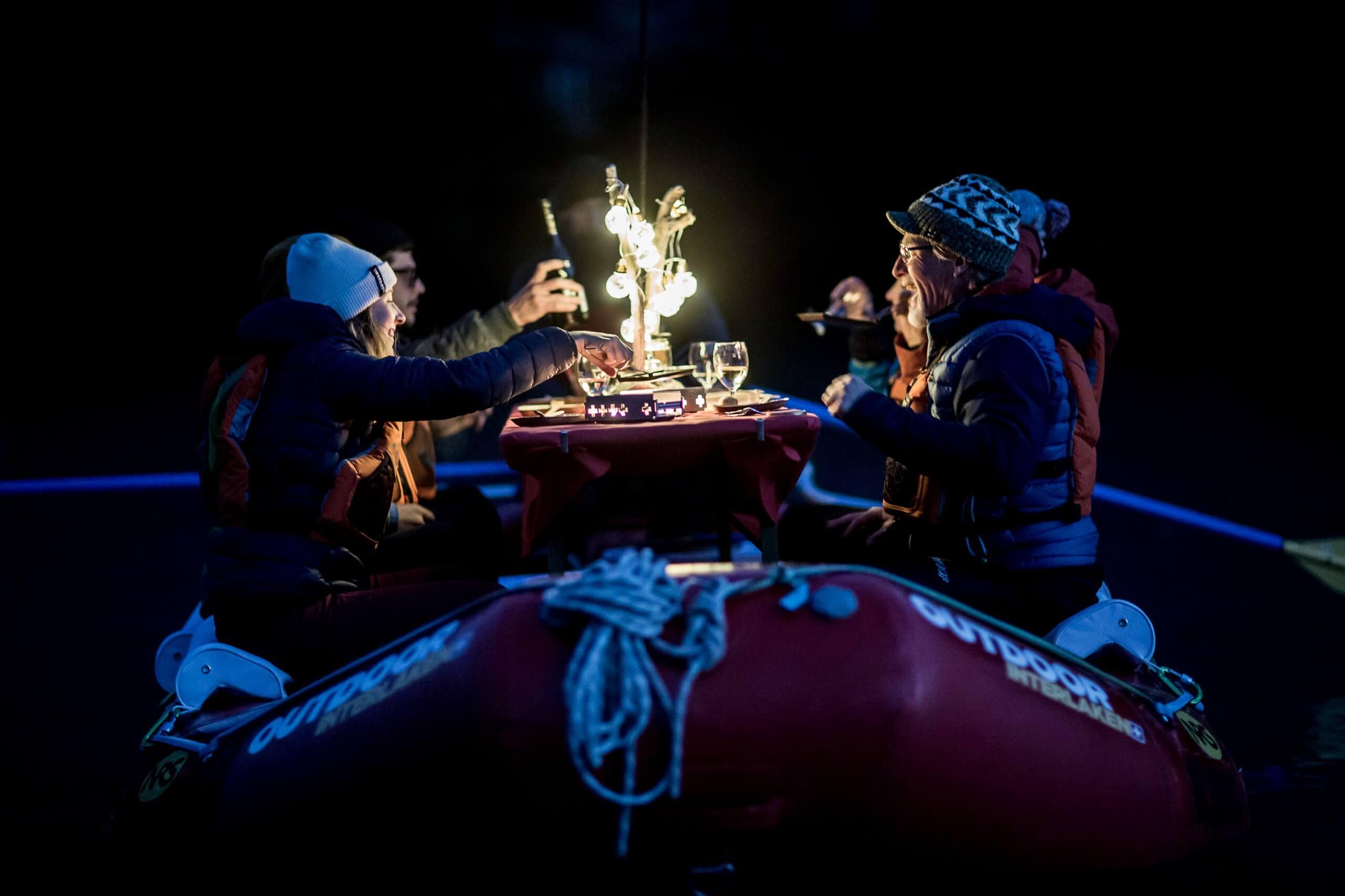 raclette-rafting-outdoor-interlaken-chillipictures-vorne.jpg
