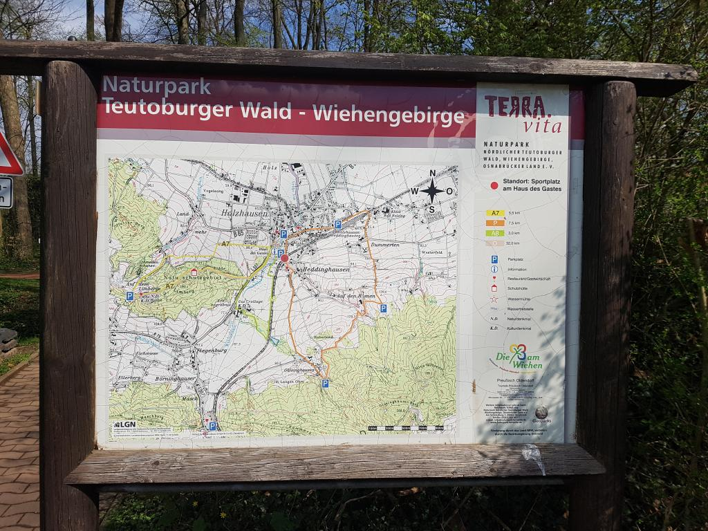 Informationstafel am Sportplatz Bad Holzhausen