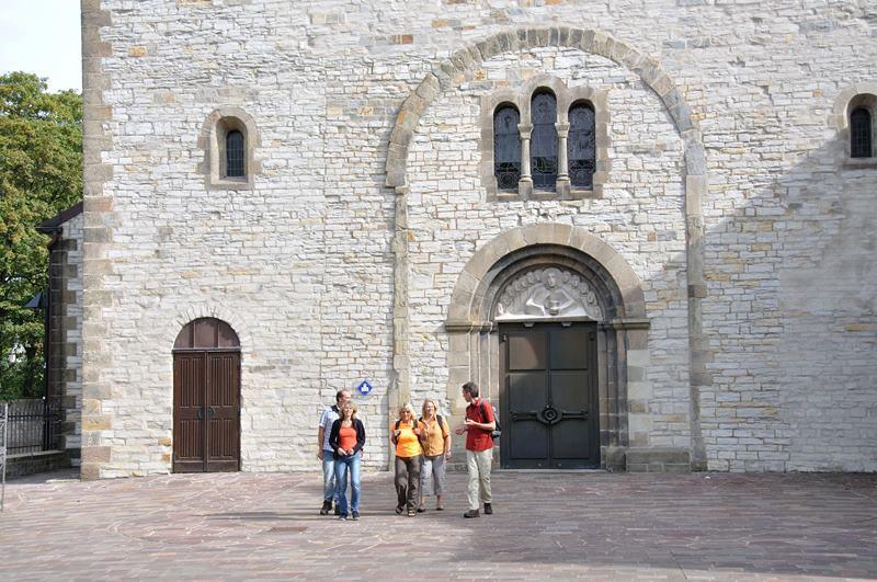 Haupteingang der Abdinghofkirche